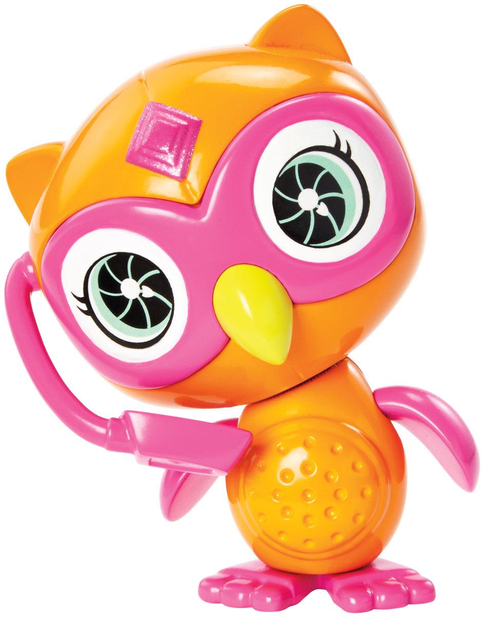 Barbie Фигурка Питомец секретных агентов СоваDHF12_DHF16Фигурка Barbie Питомец секретных агентов. Сова, несомненно, порадует каждую девочку! Игрушка выполнена из безопасного нетоксичного пластика и полностью соответствует всем требованиям безопасности. Питомцы-роботы из мультфильма Barbie и команда шпионов готовы помочь в трудную минуту! В этом мультфильме гимнастку мирового уровня Барби берут в секретные агенты вместе с подругами Терезой и Рене, и отважная троица объезжает весь мир в погоне за известной взломщицей. Им помогают любимые роботы-питомцы. Выбери любого: собачку, кота, сову или кролика. Каждый готов к подвигам, а помогут им в этом шпионские очки или шлем!