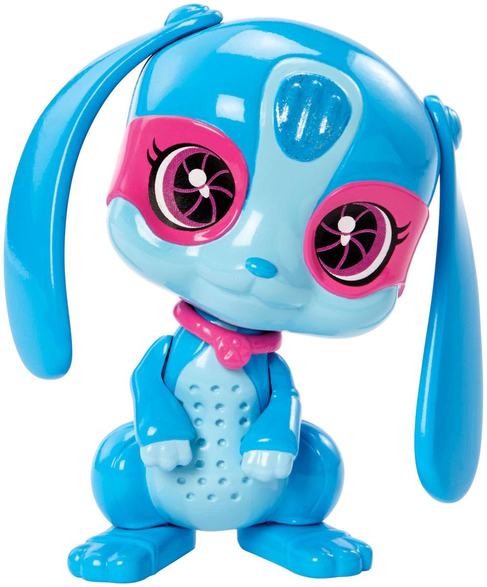 Barbie Фигурка Питомец секретных агентов КроликDHF12_DKJ64Фигурка Barbie Питомец секретных агентов. Кролик непременно привлечет внимание юных любительниц Barbie. Питомцы-роботы готовы помочь в трудную минуту! В фильме Barbie Spy Squad гимнастку мирового класса Барби берут в секретные агенты вместе с подругами Терезой и Рене, и отважная троица объезжает весь мир в погоне за известной взломщицей. Им помогают в этом любимые роботы-питомцы. Выберите любого: колоритного пса, кота, сову или кролика. Каждый готов к подвигам, а помогут им в этом шпионские очки или шлем!