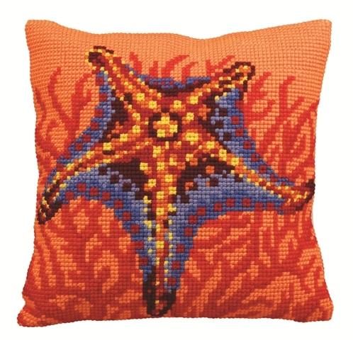 Набор для вышивания подушки Collection DArt Морская звезда, 40 х 40 см5147Набор Collection DArt Морская звезда поможет создать удивительно красивую подушку. Рисунок-вышивка, выполненный на страмине с нанесенным рисунком (специальная канва повышенной жесткости), станет прекрасной заготовкой для создания стильной декоративной подушки. Вышивание отвлечет вас от повседневных забот и превратится в увлекательное занятие! Работа, сделанная своими руками, создаст особый уют и атмосферу в доме и долгие годы будет радовать вас и ваших близких, а также станет прекрасным подарком. Набор для вышивания содержит все необходимые материалы для вышивки на печатной канве в технике несчетный крест. В состав набора входит: - жесткая канва-страмин с напечатанным рисунком (100% хлопок), 48 х 48 см, - пряжа (100% акрил), 9 цветов, - игла с позолоченным ушком, - детальная инструкция по вышиванию. Обратная сторона подушки и наполнитель в комплект не входят.