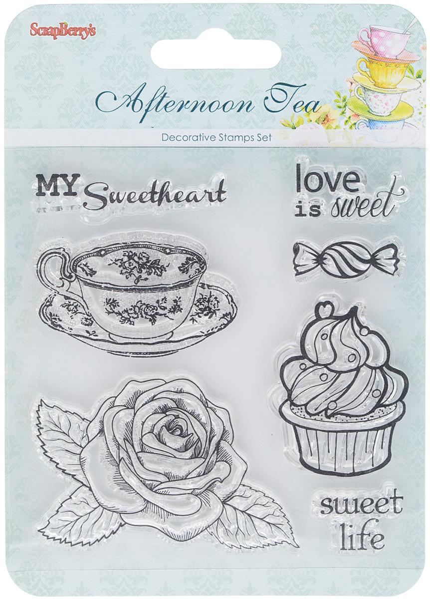 Набор декоративных штампов ScrapBerrys Сладости. Десерт, 7 шт. 77147257714725Набор декоративных штампов ScrapBerrys Сладости. Десерт состоит из 7 прозрачных силиконовых элементов, выполненных в виде надписей, цветка, чашки и пирожного. Штампы используются для нанесения красивого и ровного рисунка на творческую работу при помощи чернил. Для этого необходимо снять штамп, закрасить его чернилами и прижать в требуемом месте. Изделия предназначены для творческих работ в стиле скрапбукинг, декорирования, оформления альбомов, книг, коробок, фоторамок и других предметов. Разнообразьте свои вещи и украсьте их великолепными оттисками. Количество штампов: 7 шт. Размер самого большого штампа: 6,5 х 4,5 см. Размер самого маленького штампа: 2,5 х 1,5 см.