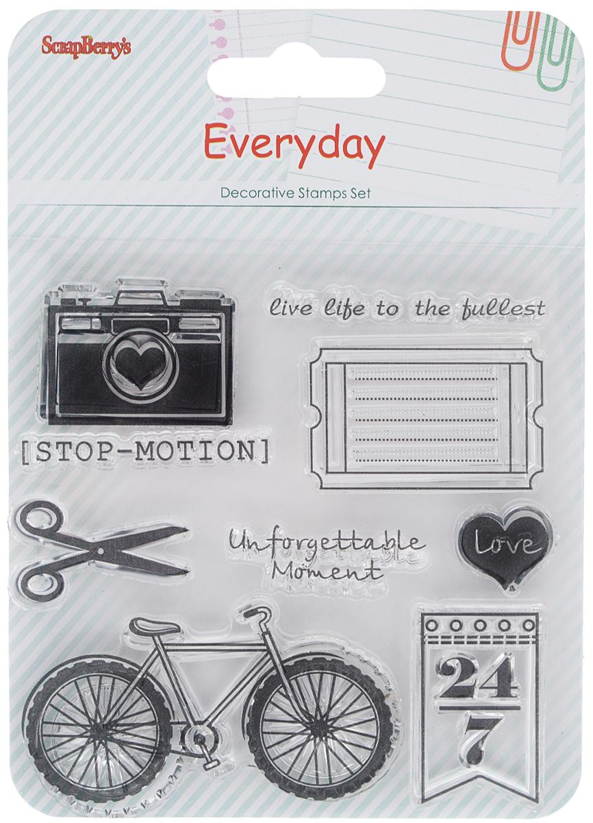 Набор декоративных штампов ScrapBerrys День за днем. Стоп-кадр, 9 шт7714699Набор декоративных штампов ScrapBerrys День за днем. Стоп-кадр состоит из 9 прозрачных силиконовых элементов, выполненных в виде надписей, фотоаппарата, бритвы и велосипеда. Штампы используются для нанесения красивого и ровного рисунка на творческую работу при помощи чернил. Для этого необходимо снять штамп, закрасить его чернилами и прижать в требуемом месте. Изделия предназначены для творческих работ в стиле скрапбукинг, декорирования, оформления альбомов, книг, коробок, фоторамок и других предметов. Разнообразьте свои вещи и украсьте их великолепными оттисками. Количество штампов: 9 шт. Размер самого большого штампа: 6,5 см х 4 см. Размер самого маленького штампа: 1,5 см х 2 см.