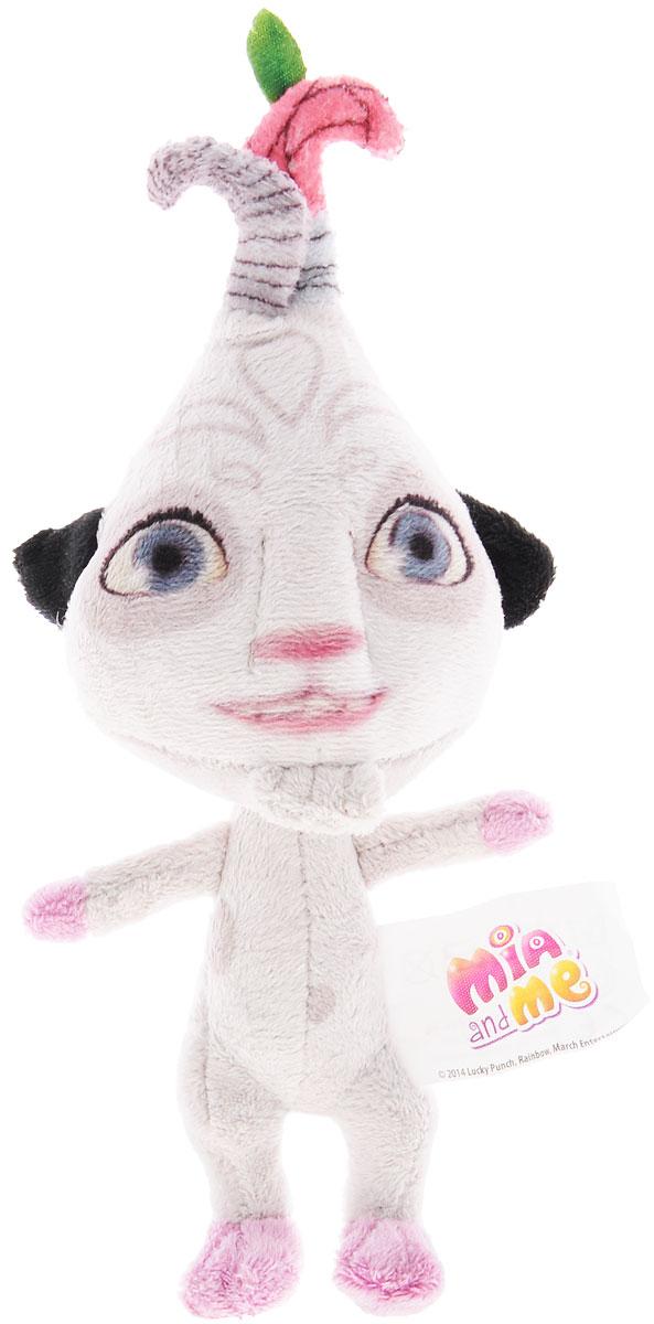 Simba Мягкая игрушка Phuddle 21 см9487513Мягкая игрушка Mia and Me Phuddle станет чудесным подарком вашему малышу! Игрушка изготовлена из высококачественного гипоаллергенного материала, который абсолютно безвреден для ребенка. Игрушка, созданная по мотивам мультфильма Mia and Me, украсит любую детскую комнату и принесет радость и веселье во время игр. Мягкая игрушка Phuddle поможет развить тактильные навыки, зрительную координацию, воображение и мелкую моторику рук. Порадуйте своего ребенка таким замечательным подарком!