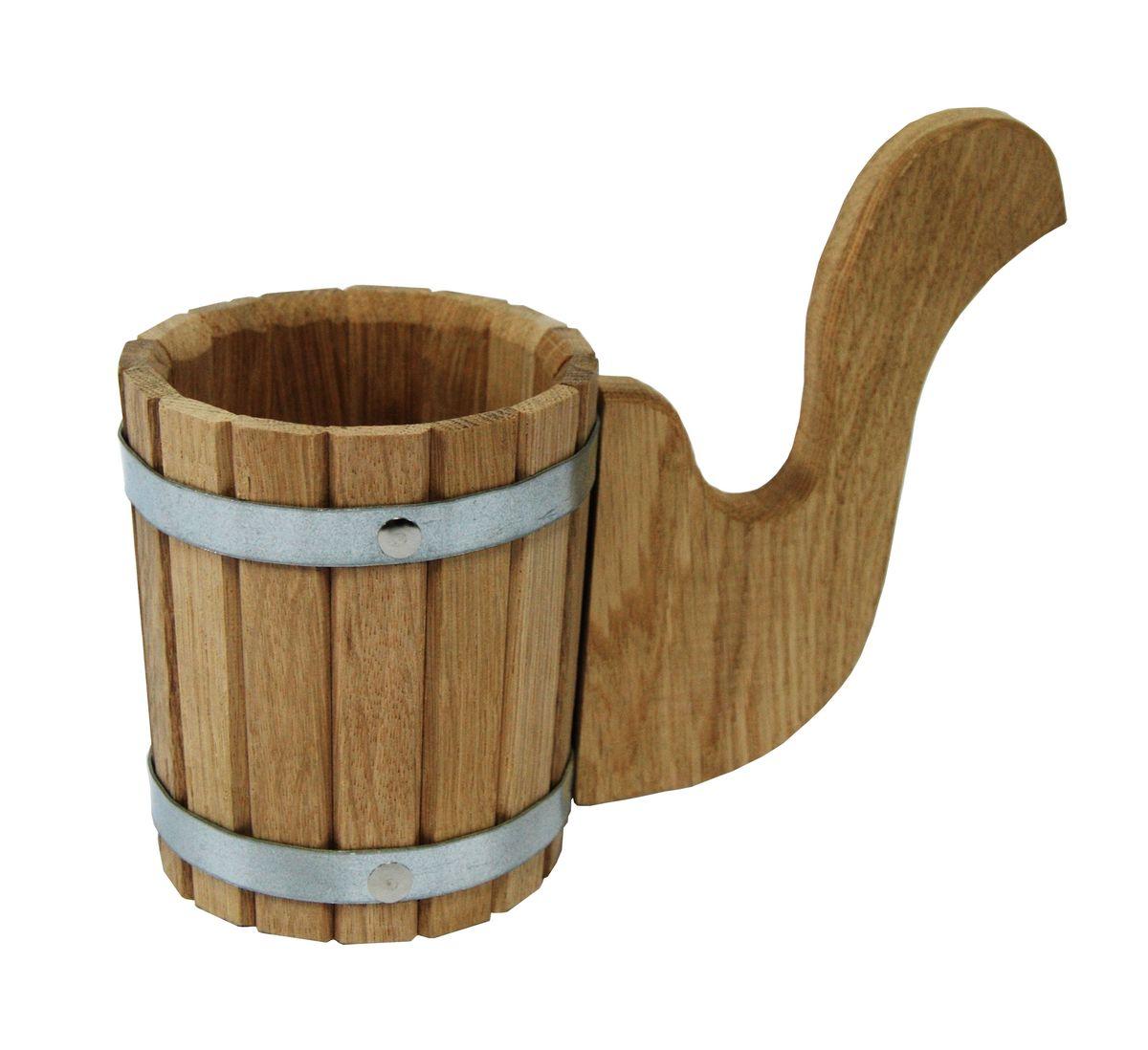 Чарка Proffi Sauna, 0,5 лPS0131Чарка Proffi Sauna выполнена из дубовых брусков, стянутых двумя металлическими обручами. Для более удобного использования чарка имеет эргономичную ручку. Она просто незаменима для подачи напитков, приготовления отваров из трав и ароматических масел, также подходит для декора или в качестве сувенира. Чарка является одной из тех приятных мелочей, без которых не обойтись при принятии банных процедур. Баня - место, где одинаково хорошо и в компании, и в одиночестве. Перекресток, казалось бы, разных направлений - общение и здоровье. Приятное и полезное. И всегда в позитиве. Объем чарки: 0,5 л. Диаметр чарки по верхнему краю: 11 см. Высота чарки (без учета ручки): 18 см.