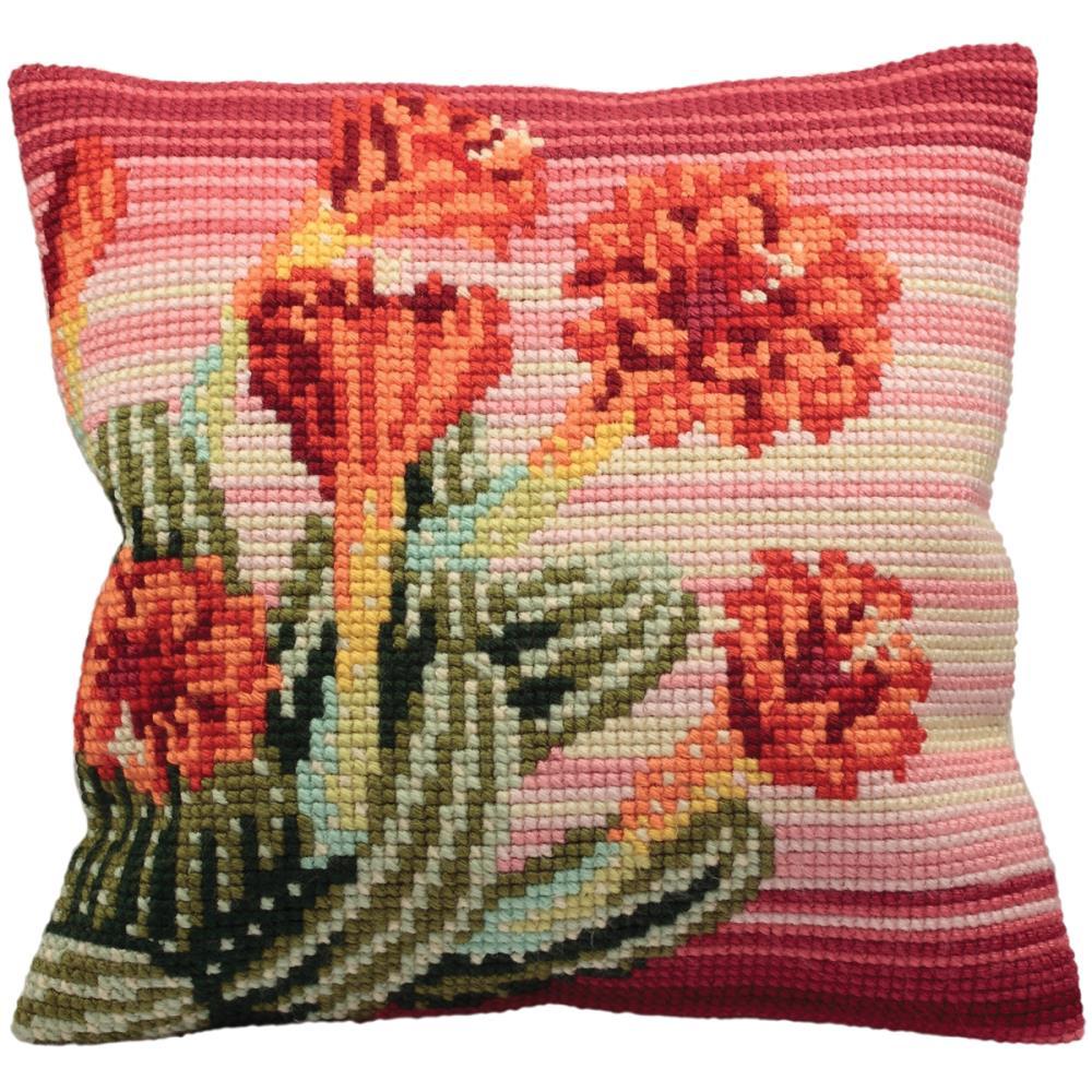 Набор для вышивания подушки Collection DArt Цветущий кактус, 40 х 40 см5100Набор Collection DArt Цветущий кактус поможет создать удивительно красивую подушку. Рисунок-вышивка, выполненный на страмине с нанесенным рисунком (специальная канва повышенной жесткости), станет прекрасной заготовкой для создания стильной декоративной подушки. Вышивание отвлечет вас от повседневных забот и превратится в увлекательное занятие! Работа, сделанная своими руками, создаст особый уют и атмосферу в доме и долгие годы будет радовать вас и ваших близких, а также станет прекрасным подарком. Набор для вышивания содержит все необходимые материалы для вышивки на печатной канве в технике несчетный крест. В состав набора входит: - страмин с напечатанным рисунком (100% хлопок), 48 х 48 см; - пряжа (100% акрил), 15 цветов; - игла с позолоченным ушком; - детальная инструкция по вышиванию. Обратная сторона подушки и наполнитель в комплект не входят.