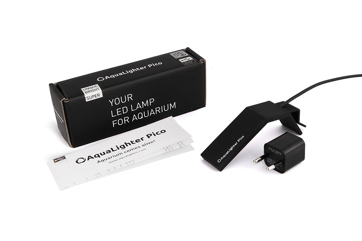Светильник LED AquaLighter Pico, цвет: черный, 10 л, 6000К8768Предназначен для пресноводных аквариумов до 10л. Экономный - потребляемая мощность 1.7 Вт, эффективный - ярче стандартных аквариумных ламп. Идеально подходит для DAQUARIUM. Цвет - чёрный. Светильник очень прост в установке и использовании, лучшее решение для содержания креветок и мелких видов рыб, таких как киллифиш, микрорасбор Галактика, петушков и др. в аквариумах сверхмалых объемов.