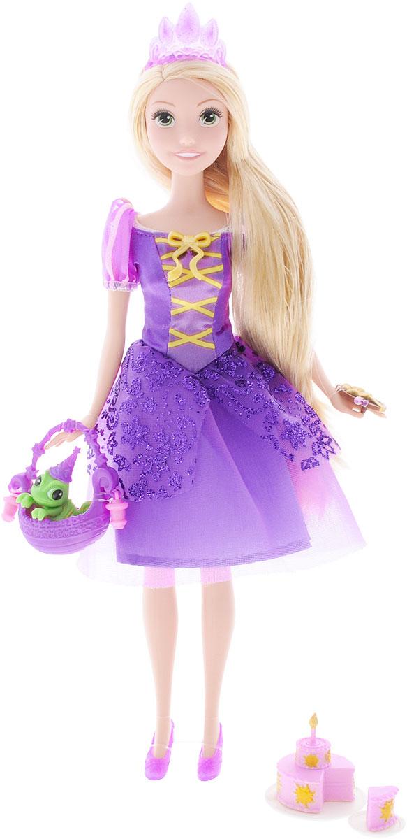 Disney Princess Кукла Рапунцель на Королевском балуCJK89/90/91/92Очаровательная кукла Disney Princess Рапунцель на Королевском балу непременно понравится вашей малышке. С самого рождения принцесса Рапунцель была наделена необычным даром. Ее великолепные, золотые волосы обладали чудодейственными и целительными свойствами. Заточенная в башне злой колдуньей, юная девушка не знала ничего об окружающей жизни. Теперь Рапунцель собирается на Королевский бал. Создай принцессе шикарную прическу из ее шелковистых длинных волос, и она будет самой неотразимой на этом празднике! Кукла одета в великолепное платье сиреневого цвета с блестками. Сиреневые туфельки подчеркивают стройность ее ножек, а золотистые волосы украшает сиреневая диадема. В наборе с куклой идет праздничный торт, кусок торта на тарелке, симпатичный маленький хамелеон, палитра, корзинка, приглашение. Скачай бесплатное приложение, отсканируй ключ на внутренней стороне приглашения и тебе станут доступны эксклюзивные функции, в том числе ее праздничное...