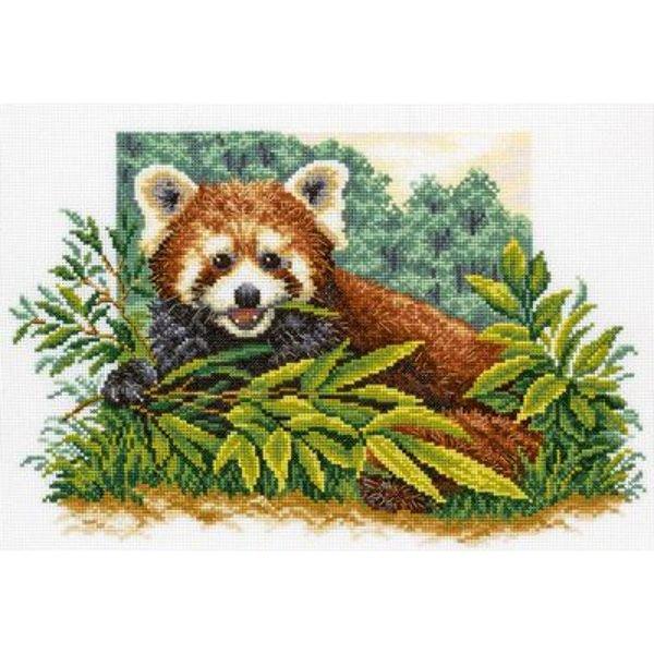 Набор для вышивания крестом RTO Любопытная панда, 33 х 35 смM321Красивый рисунок-вышивка, выполненный на канве, выглядит оригинально и всегда модно. Работа, сделанная своими руками, создаст особый уют и атмосферу в доме и долгие годы будет радовать вас и ваших близких. Набор для вышивания RTO Любопытная панда содержит все необходимые материалы. Вышивка выполняется швом счетный крест в две нити мулине. В состав набора входит: - канва Aida 14 белого цвета (100% хлопок), 5,5 клеток = 1 см; - вышивальные нитки-мулине DMC на карте, разобранные по цветам (27 цветов, 100% хлопок); - символьная схема; - инструкция; - игла для вышивания. Уровень сложности: 4.