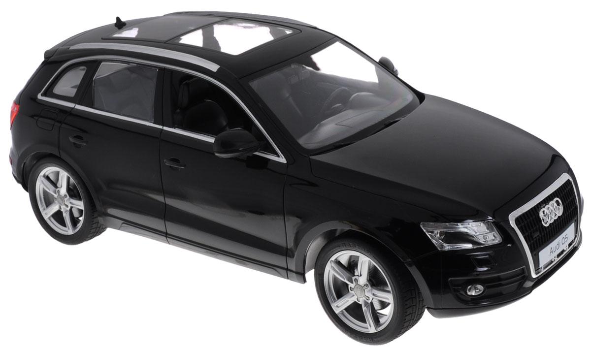 Rastar Радиоуправляемая модель Audi Q5 цвет черный38500Радиоуправляемая модель Rastar Audi Q5 обязательно привлечет внимание взрослого и ребенка и понравится любому, кто увлекается автомобилями. Маневренная и реалистичная уменьшенная копия Audi Q5 выполнена в точной детализации с настоящим автомобилем в масштабе 1:14. Управление машинкой происходит с помощью пульта. Машинка двигается вперед и назад, поворачивает направо, налево и останавливается. Оснащена световыми эффектами. Колеса игрушки прорезинены и обеспечивают плавный ход, машинка не портит напольное покрытие. Радиоуправляемые игрушки способствуют развитию координации движений, моторики и ловкости. Ваш ребенок часами будет играть с моделью, придумывая различные истории и устраивая соревнования. Порадуйте его таким замечательным подарком! Машина работает от 5 батареек напряжением 1,5V типа АА (не входят в комплект). Пульт управления работает от батарейки 9V типа Крона (не входит в комплект).