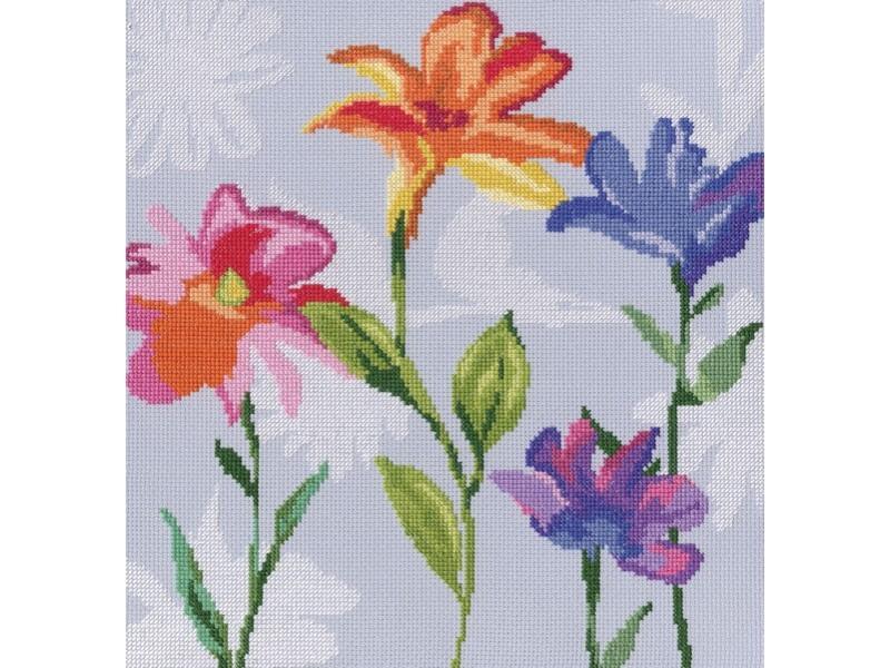 Набор для вышивания крестом RTO Цветы радуги, 27,5 х 28 смМ570Красивый рисунок-вышивка, выполненный на канве, выглядит оригинально и всегда модно. Работа, сделанная своими руками, создаст особый уют и атмосферу в доме и долгие годы будет радовать вас и ваших близких. Набор для вышивания RTO Цветы радуги содержит все необходимые материалы. Вышивка выполняется швом счетный крест в две нити мулине. В состав набора входит: - канва Aida 14 серо-голубого цвета (100% хлопок), 5,5 клеток = 1 см; - вышивальные нитки-мулине DMC на карте, разобранные по цветам (25 цветов, 100% хлопок); - символьная схема; - инструкция; - игла для вышивания. Уровень сложности: 3.