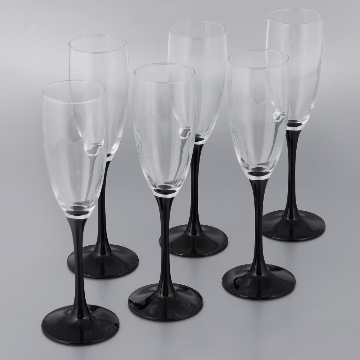 Набор фужеров для шампанского Luminarc Домино, 170 мл, 6 штH8167Набор Luminarc Домино, выполненный из высококачественного стекла, состоит из 6 фужеров на тонкой ножке черного цвета. Фужеры предназначены для подачи игристых вин. Они отличаются особой легкостью и прочностью, излучают приятный блеск и издают мелодичный хрустальный звон. Фужеры выполнены в оригинальном элегантном дизайне. Благодаря такому набору пить напитки будет еще вкуснее. Фужеры станут идеальным украшением праздничного стола и отличным подарком к любому празднику. Можно мыть в посудомоечной машине. Диаметр фужера (по верхнему краю): 5 см. Диаметр основания фужера: 6,5 см. Высота фужера: 22 см.