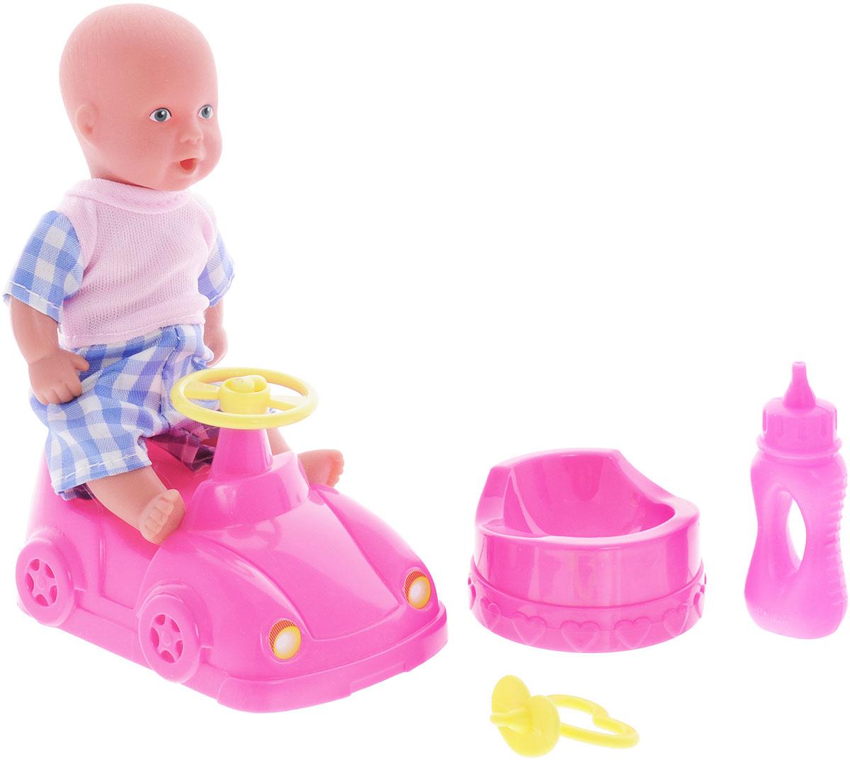 Simba Игровой набор Новорожденный с машинкой цвет одежды розовый голубой5039806_розовый,синийИгровой набор с пупсом Simba Новорожденный непременно приведет в восторг вашу дочурку. Пупс выполнен из высококачественного пластика. В набор входят: кукла-пупс, машинка, горшок, бутылочка и пустышка. Пупс пьет и писает, совсем как настоящий малыш! Просто напоите ее из входящей в набор бутылочки, и через некоторое время кукла пописает. Руки, ноги и голова куклы подвижны, что позволяет придавать ей разнообразные позы. Игры с куклой способствуют эмоциональному развитию, помогают формировать воображение и художественный вкус, а также разовьют в вашей малышке чувство ответственности и заботы. Великолепное качество исполнения делают этот набор чудесным подарком к любому празднику.