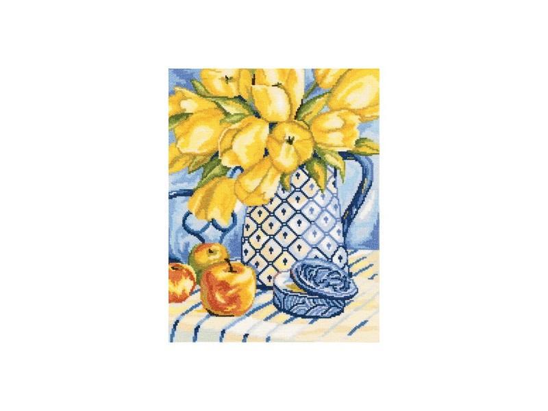 Набор для вышивания крестом RTO Натюрморт, 27 х 35 смМ502Красивый рисунок-вышивка, выполненный на канве, выглядит оригинально и всегда модно. Работа, сделанная своими руками, создаст особый уют и атмосферу в доме и долгие годы будет радовать вас и ваших близких. Набор для вышивания RTO Натюрморт содержит все необходимые материалы. Вышивка выполняется швом счетный крест в две нити мулине. В состав набора входит: - канва Aida 14 бежевого цвета (100% хлопок), 5,5 клеток = 1 см; - вышивальные нитки-мулине DMC на карте, разобранные по цветам (31 цвет, 100% хлопок); - символьная схема; - инструкция; - игла для вышивания. Уровень сложности: 3.