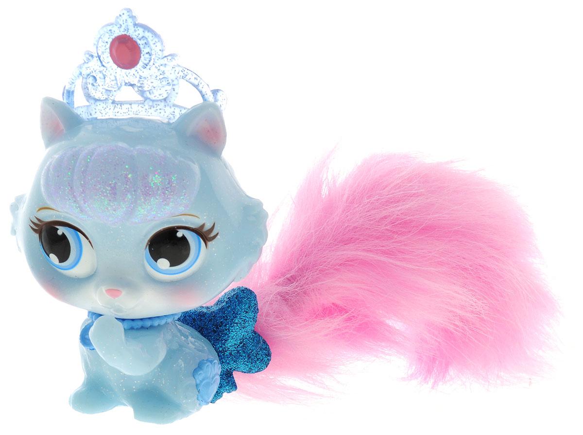 Disney Princess Фигурка Волшебное сияние Кошечка Туфелька22062Фигурка Disney Princess Волшебное сияние. Кошечка Туфелька непременно привлечет внимание вашей малышки. Симпатичная кошечка Туфелька - питомец Золушки. У Туфельки пушистый розовый хвостик. Большие глазки питомца очень выразительны. Также кошечка Золушки не обделена украшениями: на голове у нее голубая диадема, на груди ожерелье, а хвост перевязан большим блестящим синим бантом. Игры с такой игрушкой способствуют эмоциональному развитию, помогают формировать воображение, чувство ответственности и заботы. Великолепное качество исполнения делают эту игрушку чудесным подарком к любому празднику. Батарейки замене не подлежат.