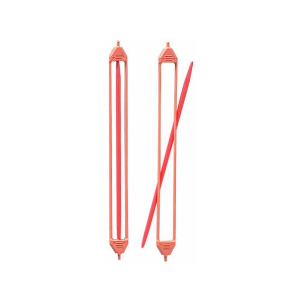 Держатель петель Clover, двусторонний, большой352Двусторонние держатели петель предназначены для вязания на спицах диаметром 3,75-8 мм. Изделия выполнены из пластика, ограничители - гибкий прорезиненный пластик. В комплекте 2 держателя. Длина: 16,5 см.