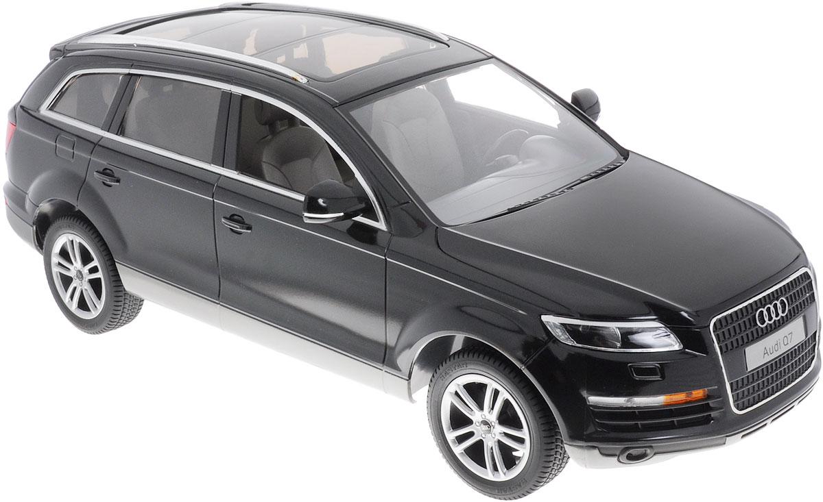 Rastar Радиоуправляемая модель Audi Q7 цвет черный масштаб 1:1427400Радиоуправляемая модель Rastar Audi Q7 станет отличным подарком любому мальчику! Все дети хотят иметь в наборе своих игрушек ослепительные, невероятные и модные автомобили на радиоуправлении. Тем более, если это автомобиль известной марки с проработкой всех деталей, удивляющий приятным качеством и видом. Одной из таких моделей является автомобиль на радиоуправлении Rastar Audi Q7. Это точная копия настоящего авто в масштабе 1:14. Автомобиль обладает неповторимым провокационным стилем и спортивным характером. Потрясающая маневренность, динамика и покладистость - отличительные качества этой модели. Возможные движения: вперед, назад, вправо, влево, остановка. При движении загораются фары и стоп-сигналы. Для работы игрушки необходимы 5 батареек типа АА (не входят в комплект). Для работы пульта управления необходима 1 батарейка типа Крона (не входит в комплект).