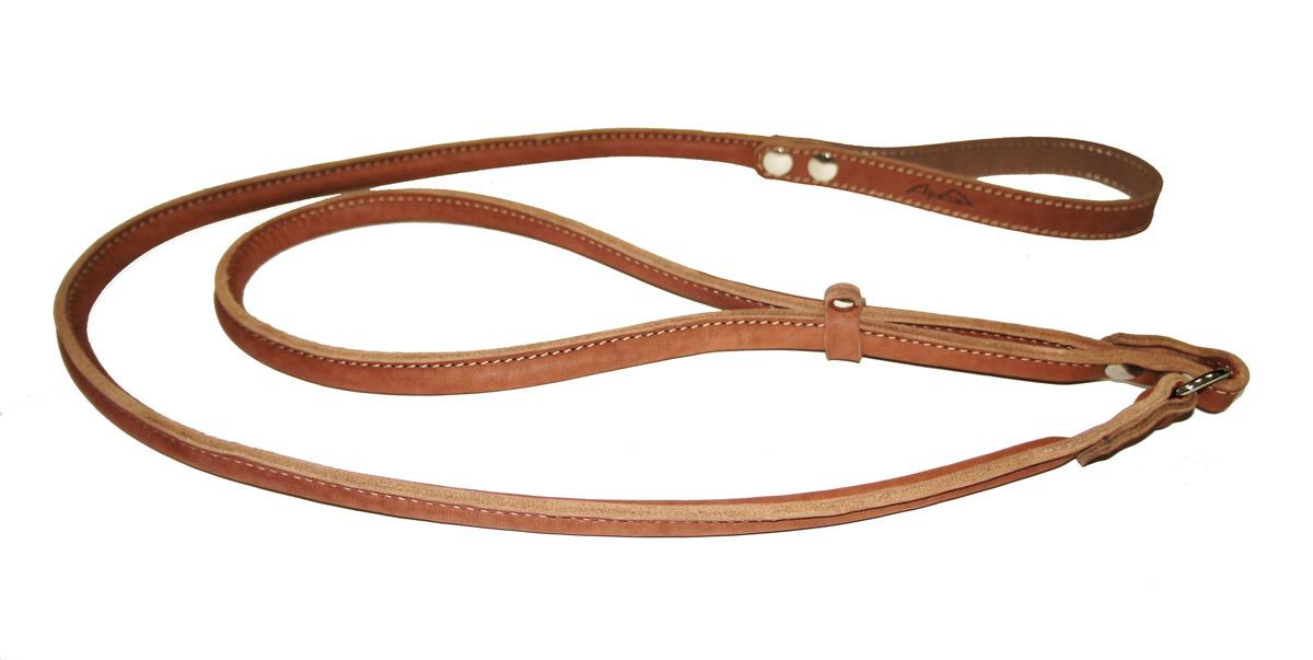 Ринговка для собак Аркон Стандарт, цвет: коньячный, ширина 1,5 см, длина 140 смрккРинговка Аркон Стандарт - это специальный поводок, состоящий из петли с фиксатором и, собственно, поводка. Выполнена из натуральной кожи, фурнитура - из высококачественного металла. Ринговка является самым распространенным видом амуниции для показа собаки на выставке или занятий рингдрессурой. Ринговку подбирают в тон окраса собаки, если собака пятнистая - то в тон преобладающего окраса или, наоборот, контрастную. Ширина: 1,5 см. Длина: 140 см.