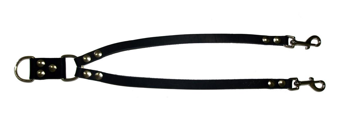 Сворка для собак Аркон Стандарт, цвет: черный, ширина 1,6 см, длина 57 смс16чСворка Аркон Стандарт выполнена из высококачественного металла и натуральной кожи. Это раздвоенный поводок с двумя карабинами, концы которых соединены одним кольцом. Изделие предназначено для вождения двух собак в общественных местах. Очень легкая, прочная и удобная в эксплуатации. Ширина сворки: 1,6 см. Длина сворки: 57 см.