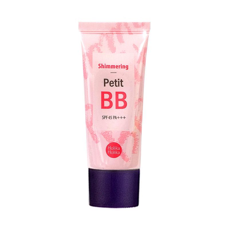 Holika Holika Тональный BB крем (сияние) SPF45 PA+++ Petit BB, 30 млУТ000001675Сияющий ВВ крем с экстрактом белых цветов и жемчужной пудрой делает кожу светящейся и свежей. Защищает от УФ. Контролирует баланс влаги в коже.