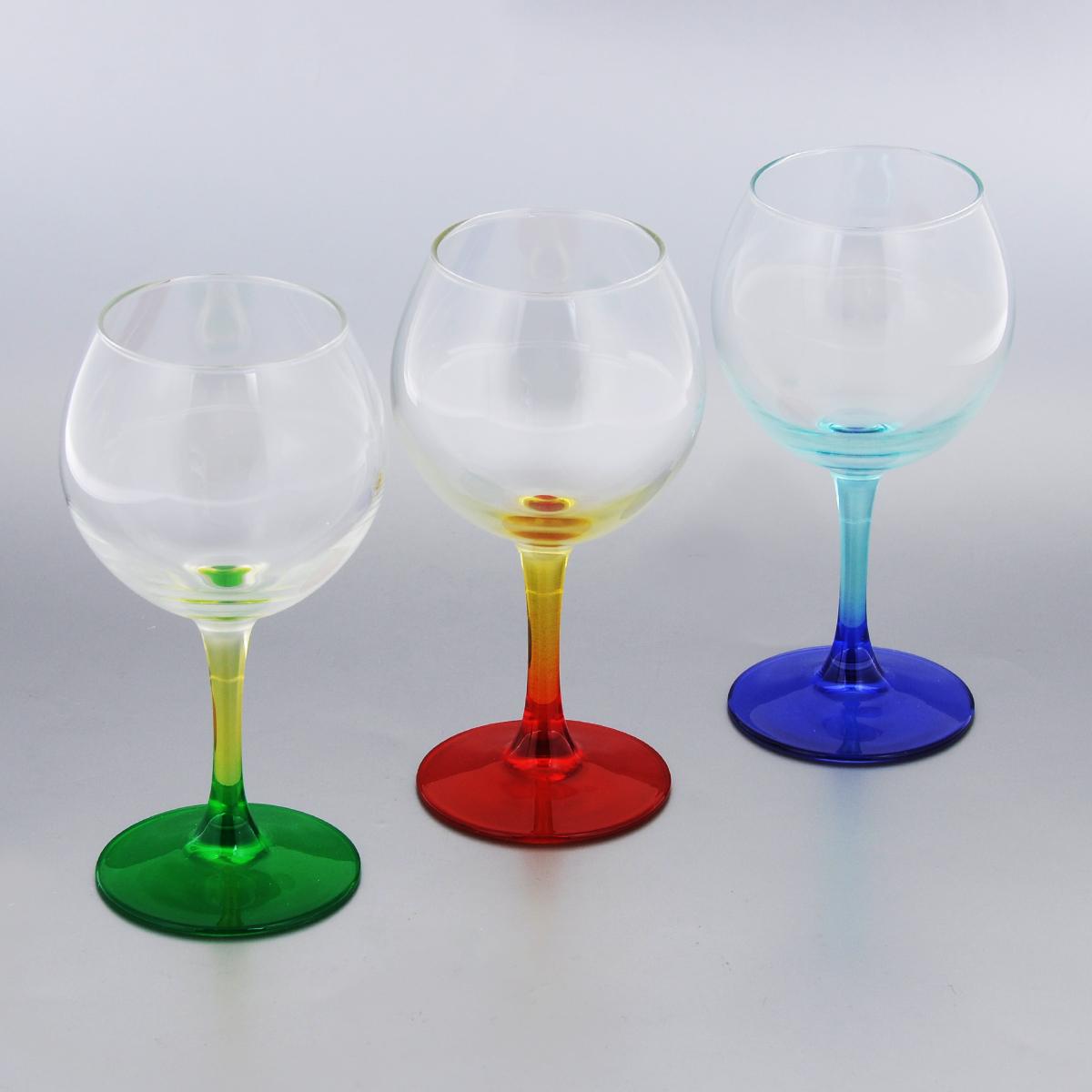 Набор фужеров для вина Luminarc Duos, 280 мл, 3 штH8362Набор Luminarc Duos состоит из трех классических фужеров, выполненных из прочного стекла. Изделия оснащены высокими цветными ножками и предназначены для подачи вина. Они сочетают в себе элегантный дизайн и функциональность. Благодаря такому набору пить напитки будет еще вкуснее. Набор фужеров Luminarc Duos прекрасно оформит праздничный стол и создаст приятную атмосферу за романтическим ужином. Такой набор также станет хорошим подарком к любому случаю. Можно мыть в посудомоечной машине. Диаметр фужера (по верхнему краю): 6 см. Высота фужера: 16,3 см.