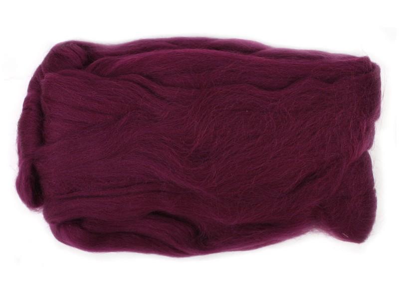 Шерсть для валяния RTO, цвет: фиолетовый (23), 50 гWF50/23Шерсть для валяния RTO идеально подходит для сухого и мокрого валяния. Шерсть RTO не линяет при валянии и последующей стирке, легко расчесывается и разделяется на пряди. Готовые изделия из натуральной шерсти RTO хорошо поддаются покраске и тонированию. Валяние шерсти - это особая техника рукоделия, в процессе которой из шерсти для валяния создается рисунок на ткани или войлоке, объемные игрушки, панно, декоративные элементы, предметы одежды или аксессуары. Только натуральная шерсть обладает способностью сваливаться или свойлачиваться.