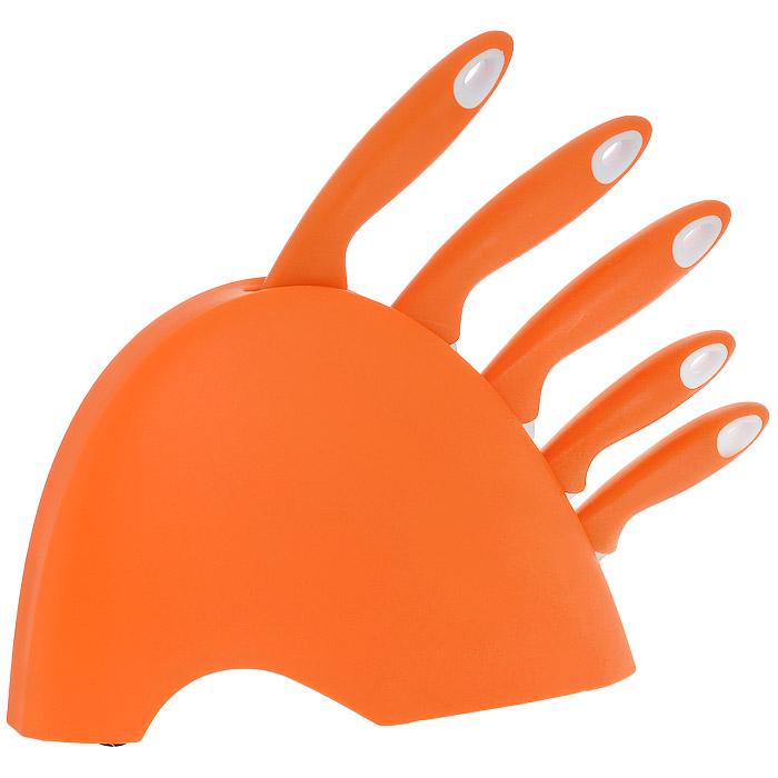 Набор ножей Mayer & Boch, цвет: оранжевый, 6 предметов. 35433543Набор Mayer & Boch состоит из 5 кухонных ножей и подставки. Лезвия ножей выполнены из высококачественной нержавеющей стали. Рукоятки ножей, выполненные из пластика, обеспечивают комфортный и легко контролируемый захват. Ножи прекрасно подходят для ежедневной резки фруктов, овощей и мяса. В набор входят: - Нож для очистки - маленький нож с коротким прямым лезвием. Им удобно снимать кожуру с любого фрукта и овоща. - Нож универсальный - легкий и многофункциональный нож для резки небольших овощей и фруктов, колбасы, сыра, масла. Имеет неширокое лезвие, острие сцентрировано. - Нож для хлеба - нож с зубчатой кромкой лезвия применяется для нарезки как свежих, так и черствых хлебобулочных изделий. При резке таким ножом мякиш изделия не нарушается. Нож применяется для резки рогаликов, булочек, бубликов и рулетов. - Нож для разделки мяса - нож с длинным и достаточно толстым лезвием и со сцентрированным острием. Используется для разделки крупных...