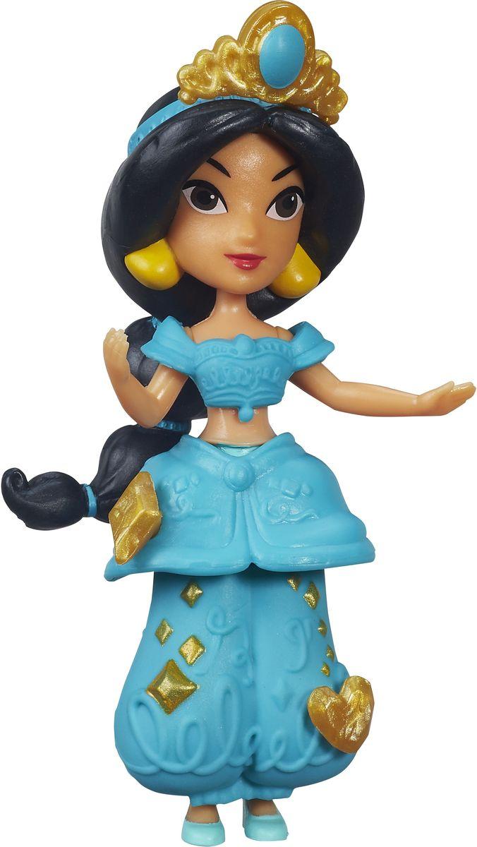 Disney Princess Мини-кукла Little Kingdom ЖасминB5321EU4_B5322Мини-кукла Disney Princess Жасмин изображает восточную красавицу из мультфильма про Аладдина. Жасмин - самая экзотичная, загадочная и чарующая принцесса Диснея, дочь султана из вымышленного восточного королевства. Жасмин обладает красивым смуглым цветом кожи. У нее длинные черные волосы, которые перехвачены бирюзовыми ленточками. На голове принцессы имеется диадема с большим самоцветом. Наряд принцессы Жасмин состоит из бирюзового топа, шаровар и остроносых балеток. Образ дополняют крупные треугольные серьги. Хозяйка куклы сможет добавить к образу еще несколько украшений - в комплект входят маленькие аксессуары, которые можно прикреплять к наряду мини-куклы. Для этого в наряде есть небольшие отверстия. Эти отверстия не бросаются в глаза, даже когда украшений нет, поэтому наличие украшений будет зависеть только от настроения хозяйки. Мини-кукла совсем небольшая по размеру, однако, тщательно проработана. Ее внешний вид полностью повторяет облик девушки в мультфильме. Кукла...