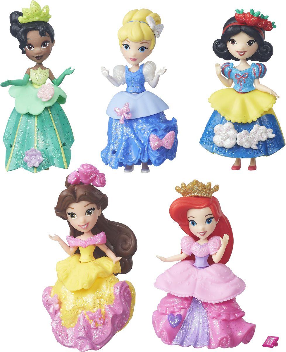 Disney Princess Набор мини-кукол Принцессы 5 штB5347EU4Набор мини-кукол Disney Princess Принцессы состоит из 5 очаровательных мини- кукол, которые изображают самых прекрасных диснеевских героинь. Все героини популярнейших мультфильмов Диснея одеты в блестящие наряды для самого изысканного бала. Одежда Золушки, Тианы, Белоснежки, Белль и Ариэль состоит из корсета, баски и юбки, которые можно комбинировать так, как понравится маленькой владелице набора. Пышные платья украшены множеством оборок и декоративных элементов. Хозяйка кукол сможет добавить к ним еще несколько - в комплект входят различные аксессуары, которые можно прикреплять к платью мини-кукол. Для этого в нарядах имеются небольшие отверстия, в которые они вставляются. Подружки-принцессы могут забавляться, меняясь нарядами и радуясь новому, еще более яркому внешнему виду. При помощи такого набора ваша малышка приобретет навыки модельера.