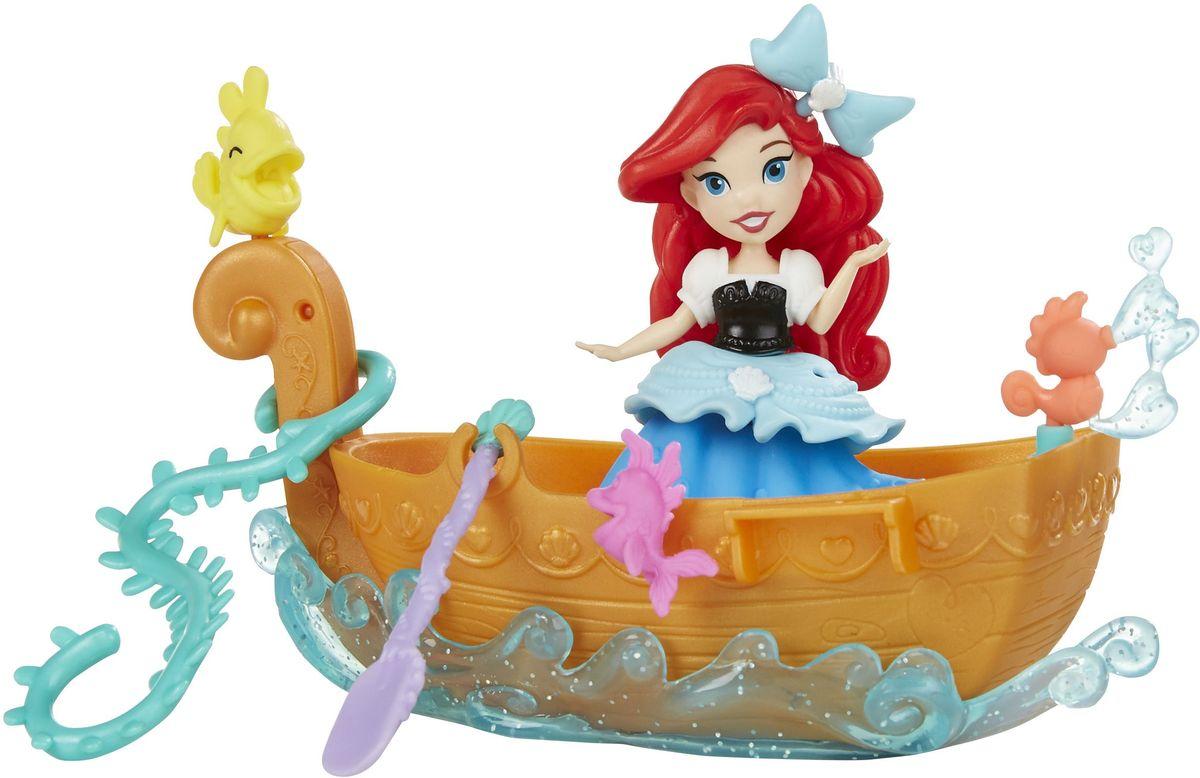 Disney Princess Игровой набор с куклой Ариель в лодкеB5338EU4_B5339Игровой набор с куклой Disney Princess Ариель в лодке состоит из очаровательной принцессы Ариель, лодки с веслом, водоросли, маленьких рыбок и морского конька, а также украшения для платья Ариель. Рыбки и конек крепятся к лодке, и их можно менять местами. Прогулка на лодке - один из самых запоминающихся моментов диснеевского мультфильма Русалочка, и с этим набором девочки смогут точно воспроизводить его в игре! Сделайте вашей малышке такой замечательный подарок!