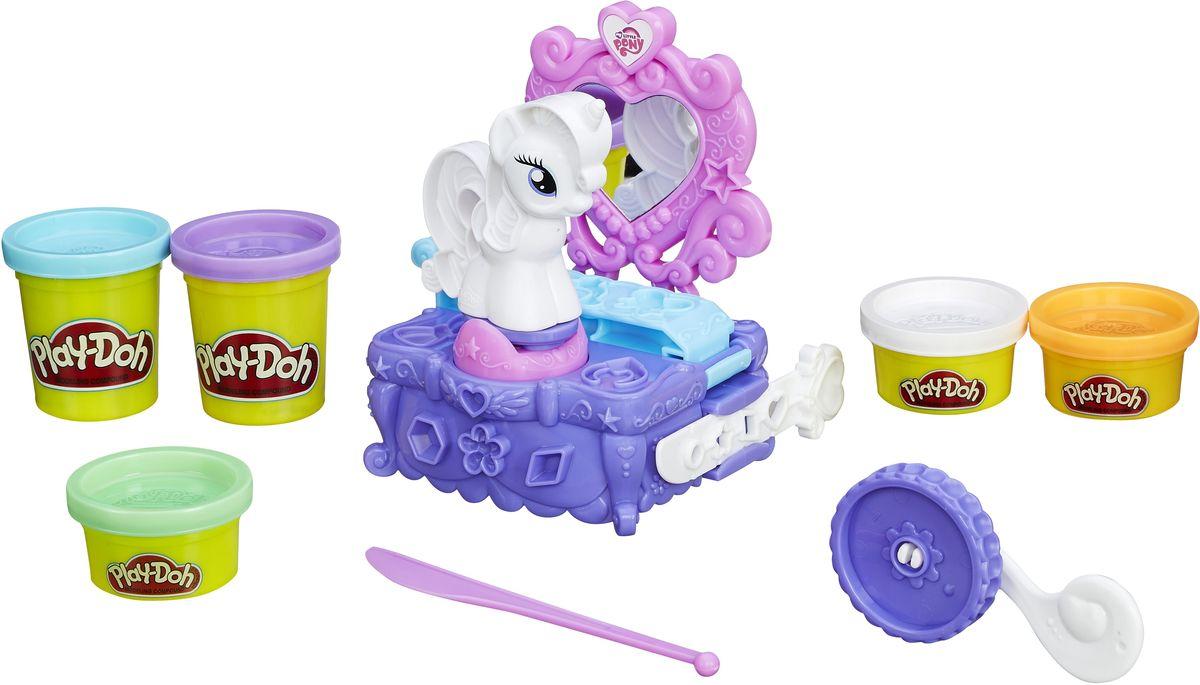 Play-Doh Набор для лепки Туалетный столик РаритиB3400EU4Создавайте красивые драгоценные камни, украшения и многое другое из пластилина Play-Doh с набором для лепки Туалетный столик Рарити! Посадите Рарити за туалетный столик, добавьте драгоценные камни Play-Doh в гриву, а затем покрутите ее, чтобы оценить стиль! Большой выбор декоративных форм поможет вам легко создать красочные аксессуары на все случаи жизни. Если этой моднице пришло время менять образ, просто сделайте для нее новые украшения! Занятия лепкой помогут вашей маленькой принцессе развить творческие способности, воображение, а также мелкую моторику рук. Яркие цвета и сказочные образы подарят ей положительные эмоции и хорошее настроение!