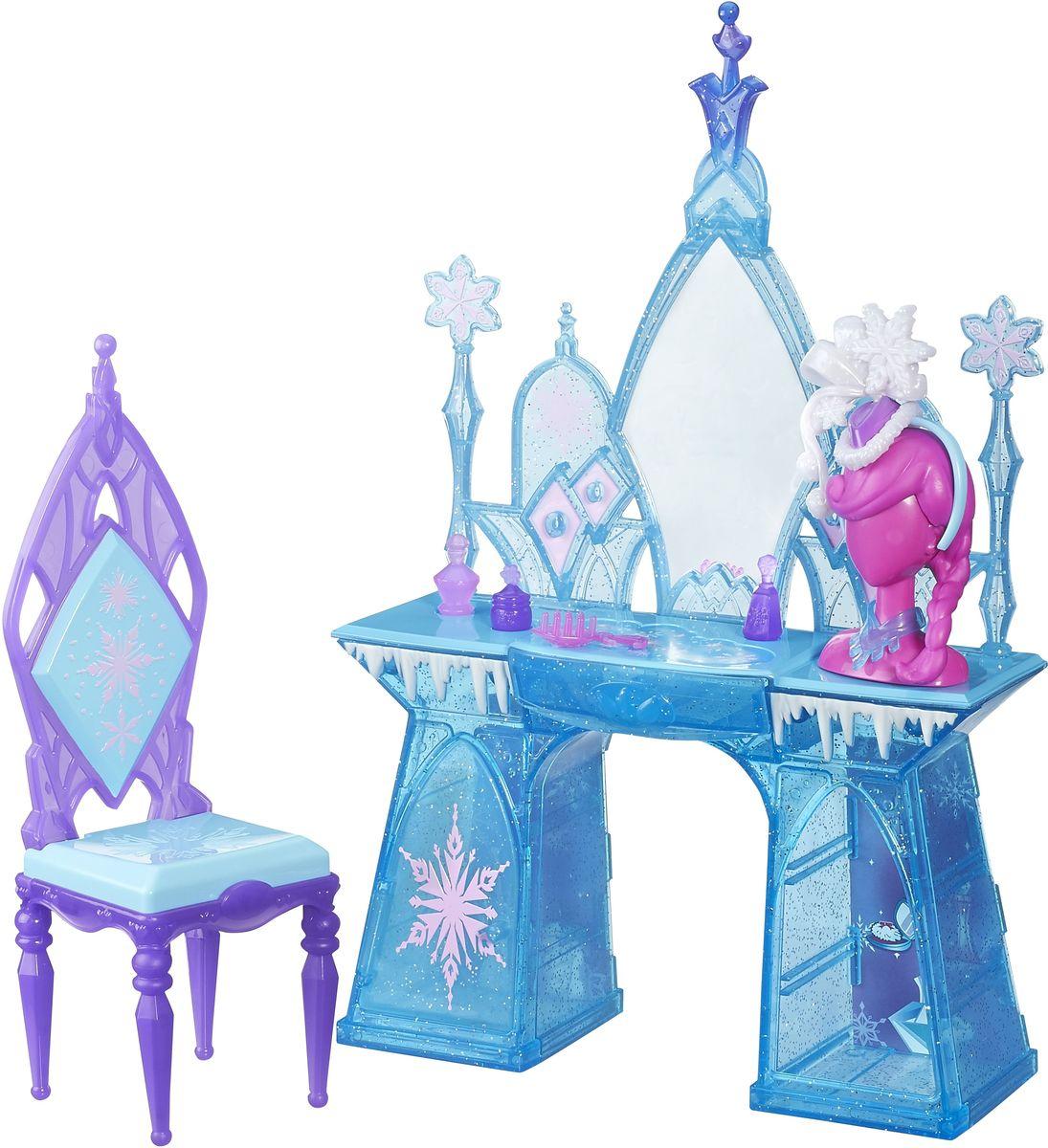 Disney Frozen Игровой набор Туалетный столик ЭльзыB5175EU4_B5176С игровым набором Disney Frozen Туалетный столик Эльзы девочка сможет инсценировать эпизоды из известного мультипликационного фильма или же придумать собственную историю про очаровательную героиню. В набор с туалетным столиком входят стул, 3 флакона духов, расческа, ожерелье, настольный бюст и аксессуары для волос. Ящики и дверца комода открываются. Все предметы набора выполнены из качественных и безопасных материалов. Кукла в набор не входит.
