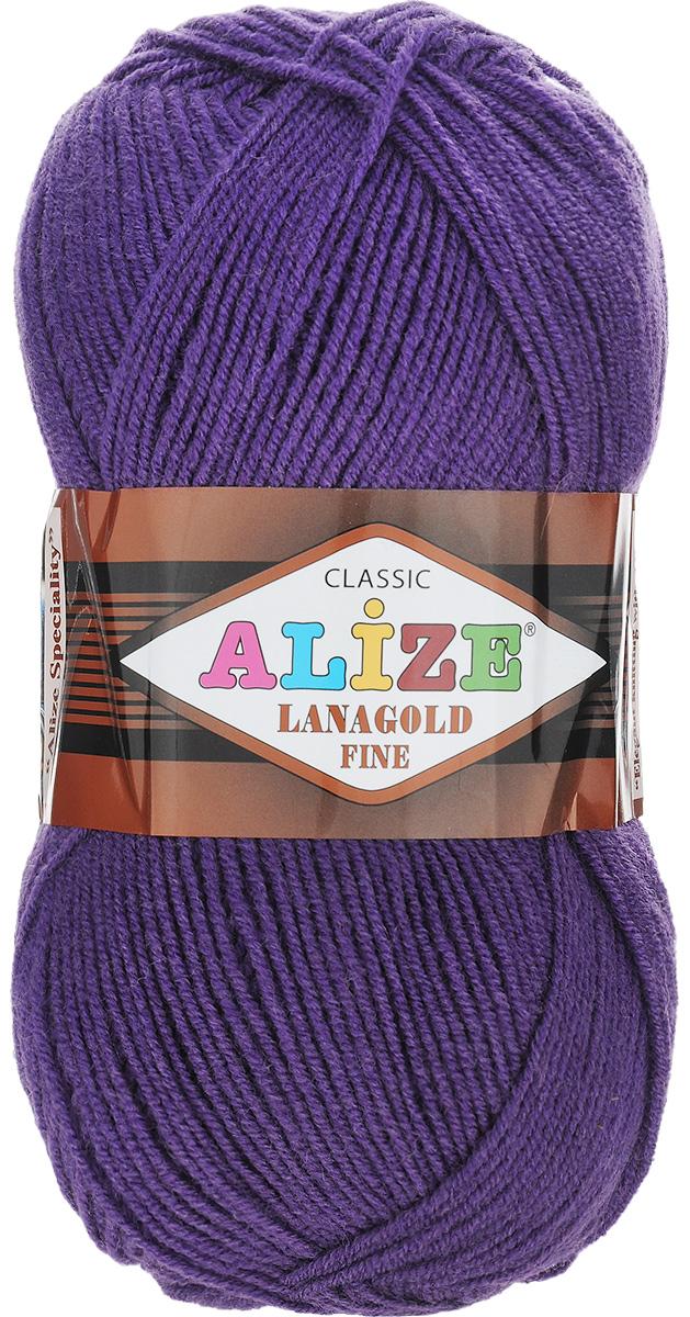 Пряжа для вязания Alize Lanagold Fine, цвет: темно-фиолетовый (44), 390 м, 100 г, 5 шт694529_44Alize Lanagold Fine - это полушерстяная пряжа для ручного вязания. Нить плотно скручена, гибкая, послушная, не пушится, не электризуется, аккуратно ложится в петли и не деформируется после распускания. Стойкое равномерное окрашивание обеспечивает широкую палитру оттенков, высокое качество материала и используемых красителей защищает от потери цвета. Соотношение шерсти и акрила - формула практичности. Высокие тепловые характеристики сочетаются с эстетикой, носкостью и простотой ухода за вещью. Классическая пряжа для зимнего сезона, может использоваться для детской и взрослой одежды. Alize Lanagold Fine - универсальная пряжа, которая будет хорошо смотреться в узорах любой сложности. Рекомендуемый размер спиц 2,5-4 мм и крючка 2-4 мм. Состав: 49% шерсть, 51% акрил.