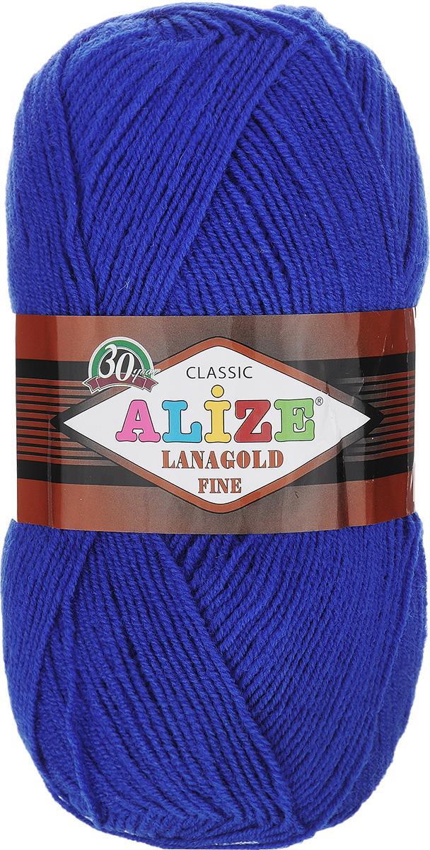Пряжа для вязания Alize Lanagold Fine, цвет: синий (141), 390 м, 100 г, 5 шт547499_141Alize Lanagold Fine - это полушерстяная пряжа для ручного вязания. Нить плотно скручена, гибкая, послушная, не пушится, не электризуется, аккуратно ложится в петли и не деформируется после распускания. Стойкое равномерное окрашивание обеспечивает широкую палитру оттенков, высокое качество материала и используемых красителей защищает от потери цвета. Соотношение шерсти и акрила - формула практичности. Высокие тепловые характеристики сочетаются с эстетикой, носкостью и простотой ухода за вещью. Классическая пряжа для зимнего сезона, может использоваться для детской и взрослой одежды. Alize Lanagold Fine - универсальная пряжа, которая будет хорошо смотреться в узорах любой сложности. Рекомендуемый размер спиц 2,5-4 мм и крючка 2-4 мм. Состав: 49% шерсть, 51% акрил.