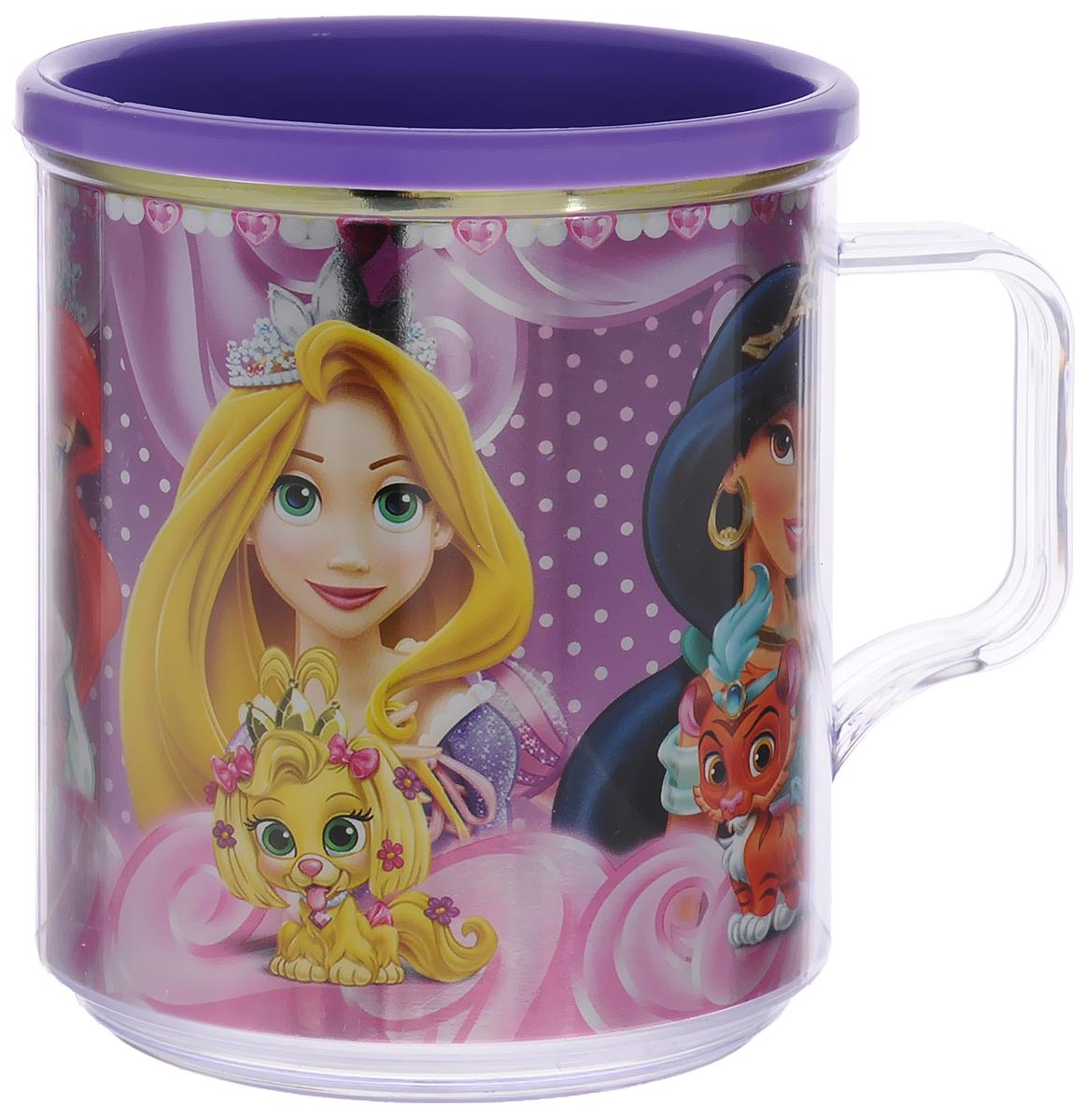 Disney Термокружка детская Принцессы Королевские питомцы цвет фиолетовый 350 млС25-П5_фиолетовыйДвустенная термокружка Принцессы. Королевские питомцы от Disney станет отличным подарком для малыша. Термокружка позволит длительное время сохранять напиток теплым, а яркое металлизированное изображение знаменитых диснеевских принцесс с их домашними любимцами поднимет настроение и детям, и взрослым. Объем кружки: 350 мл. Не подходит для использования в посудомоечной машине и СВЧ-печи.
