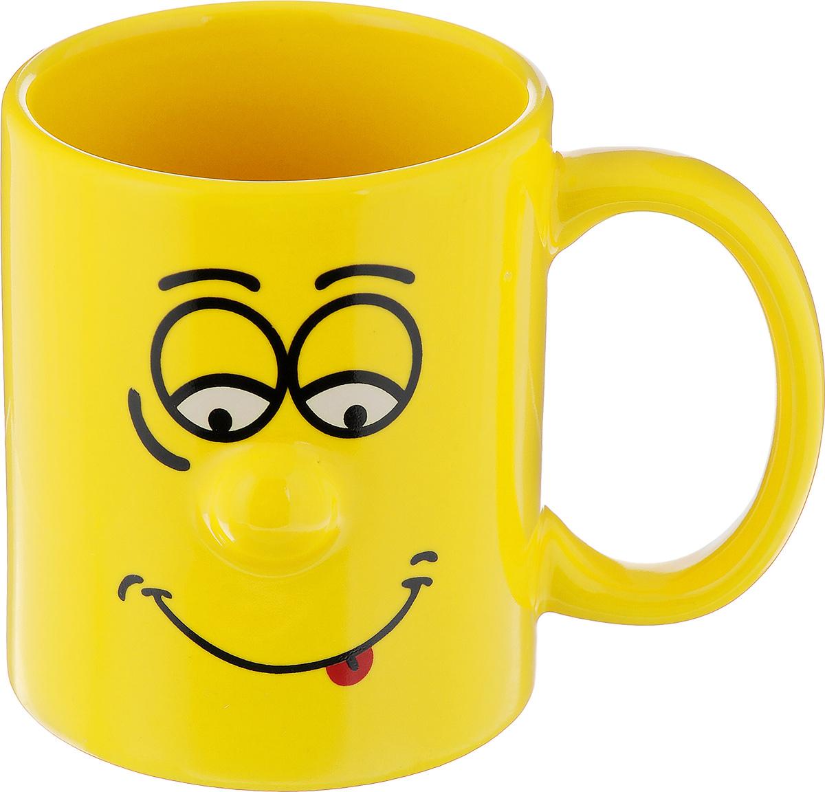 Кружка Walmer Smiley, цвет: желтый, 300 млW06222030Кружка Walmer Smiley выполнена из керамики и оформлена изображением забавного смайлика. Она станет отличным дополнением к сервировке семейного стола и замечательным подарком для ваших родных и друзей. Не рекомендуется применять абразивные моющие средства. Диаметр кружки по верхнему краю: 8 см. Высота кружки: 9,5 см.