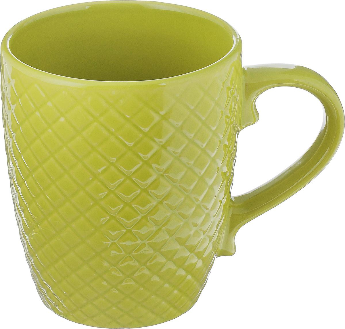 Кружка Walmer Amber, цвет: зеленый, 350 млW06123035Кружка Walmer Amber изготовлена из высококачественной керамики. Изделие оформлено изысканным рельефным орнаментом. Такая кружка прекрасно оформит стол к чаепитию и станет его неизменным атрибутом. Можно использовать в посудомоечной машине и СВЧ. Диаметр (по верхнему краю): 9 см. Диаметр основания: 6 см. Высота: 11 см.