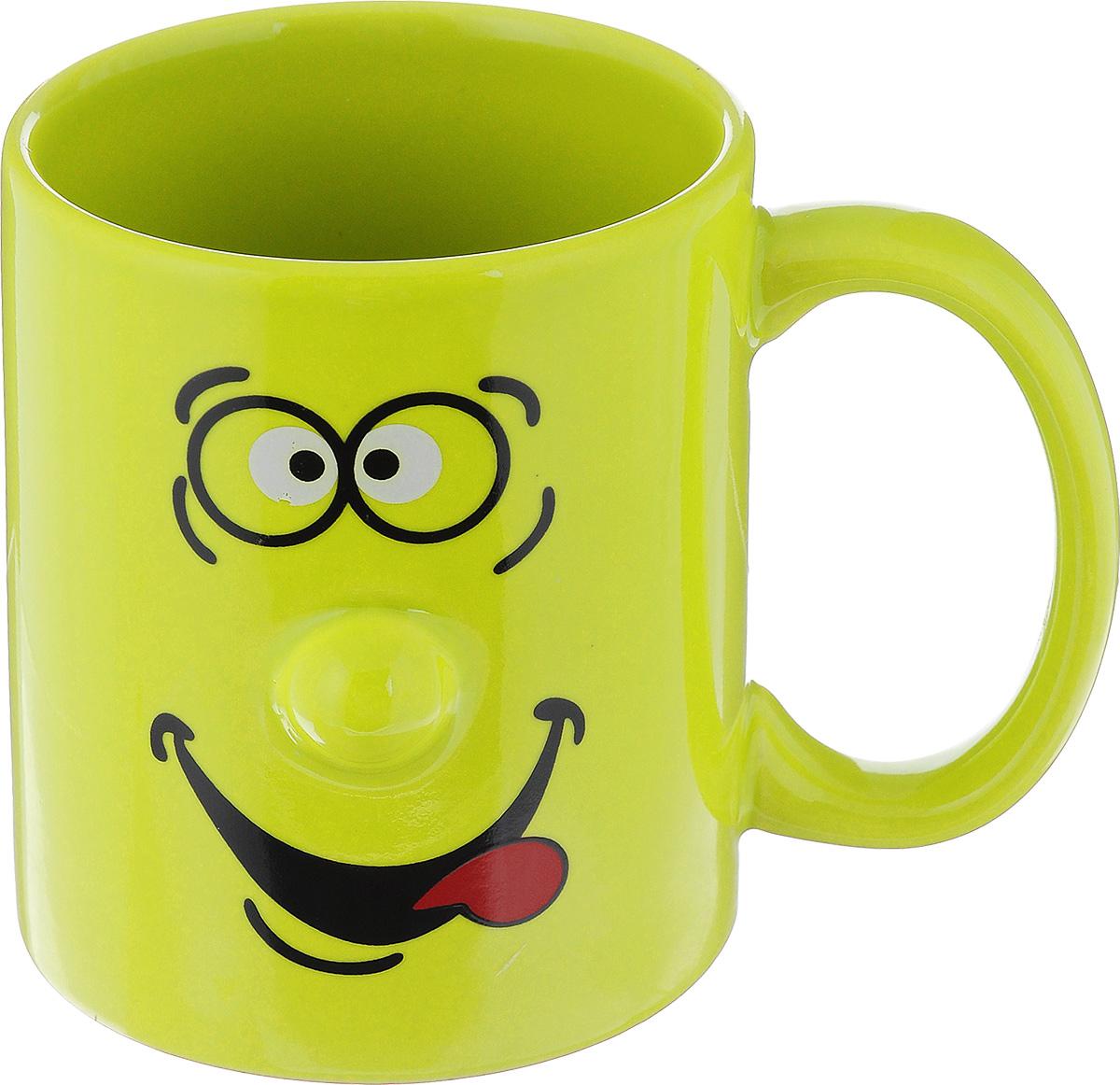 Кружка Walmer Smiley, цвет: зеленый, 300 млW06223030Кружка Walmer Smiley выполнена из керамики и оформлена изображением забавного смайлика. Она станет отличным дополнением к сервировке семейного стола и замечательным подарком для ваших родных и друзей. Не рекомендуется применять абразивные моющие средства. Диаметр кружки по верхнему краю: 8 см. Высота кружки: 9,5 см.