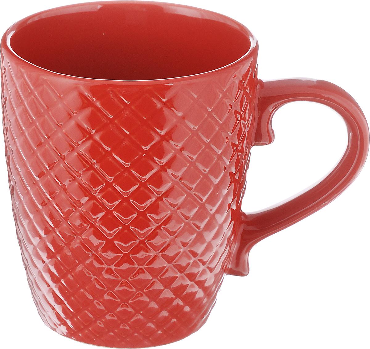 Кружка Walmer Amber, цвет: красный, 350 млW06121035Кружка Walmer Amber изготовлена из высококачественной керамики. Изделие оформлено изысканным рельефным орнаментом. Такая кружка прекрасно оформит стол к чаепитию и станет его неизменным атрибутом. Можно использовать в посудомоечной машине и СВЧ. Диаметр (по верхнему краю): 9 см. Диаметр основания: 6 см. Высота: 11 см.