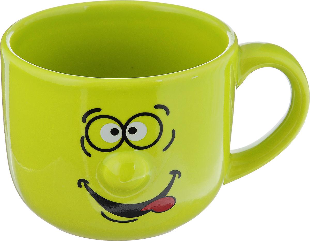 Кружка Walmer Smiley, цвет: зеленый, 400 млW06223040Кружка Walmer Smiley изготовлена из высококачественной керамики и оформлена оригинальным рисунком. Такая кружка прекрасно оформит стол к чаепитию и станет его неизменным атрибутом. Можно использовать в посудомоечной машине и СВЧ. Диаметр (по верхнему краю): 10 см. Диаметр основания: 7 см. Высота: 8 см.