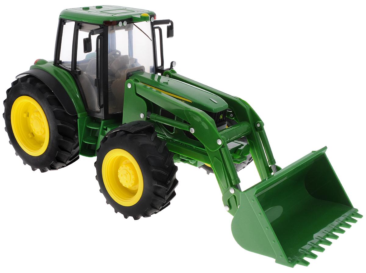 Tomy Трактор John Deer 6830 с ковшом42425RUTomy Трактор John Deer с ковшом станет отличным подарком для любого мальчика. Игрушка в мельчайших подробностях в масштабе 1:16 повторяет реальный трактор John Deer 6830. Большой ковш с имитацией гидравлической системы поднимается и опускается, кабина снимается, капот поднимается, позволяя изучить детально проработанный двигатель, передние колеса поворачиваются с помощью руля. На крыше кабины расположены две кнопки, при нажатии которых активируются световые и звуковые эффекты: включается подсветка на крыше, звучит рокот мотора и предупреждающий сигнал заднего хода. Прицепной крюк регулируется по высоте и снимается. Большие прорезиненные колеса обеспечивают отличное сцепление с любой поверхностью пола. В комплекте идут 2 дополнительных больших колеса, которые можно прикрепить к основным, усилив тем самым опору трактора. Порадуйте своего ребенка таким замечательным подарком! Для работы игрушки необходимы 3 батарейки типа ААА (товар комплектуется...