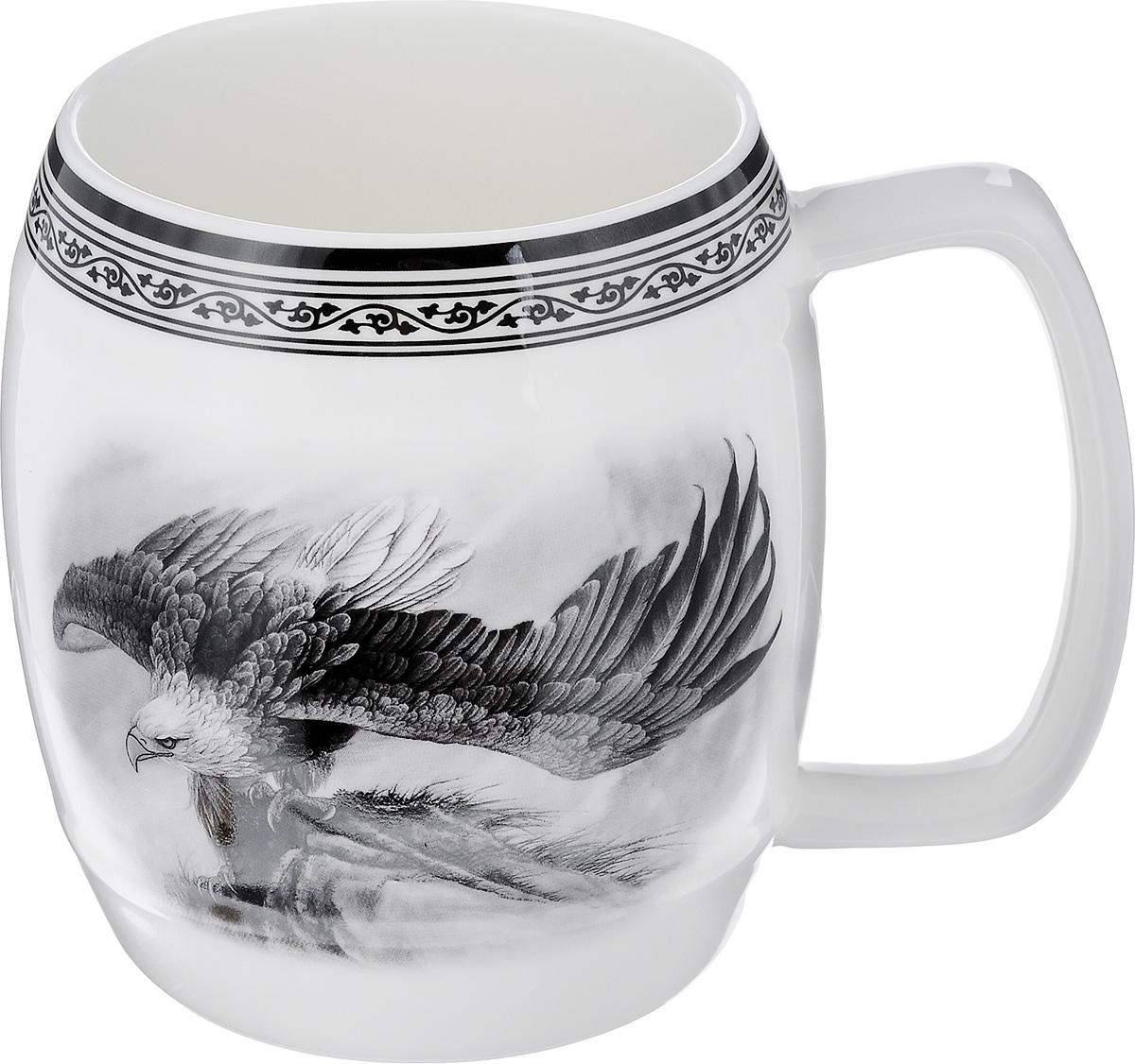 Кружка пивная Elan Gallery Орел, 700 мл530023Большая кружка Elan Gallery Орел, выполненная из керамики, станет оригинальным подарком любимым мужчинам! Идеальна для тех, кто предпочитает большие кружки, и для любителей чая, кофе и пенных напитков. Не рекомендуется применять абразивные моющие средства. Не использовать в микроволновой печи.