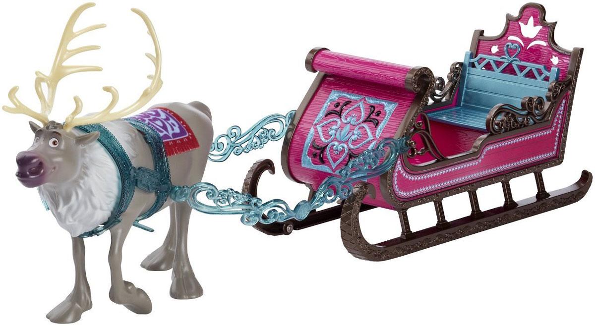 Disney Frozen Королевские сани Анны и ЭльзыCMG64Королевские сани Анны и Эльзы Disney Frozen отлично подойдут для прогулок королевских сестер. Внутри саней имеется специальная небольшая скамеечка, чтобы поездка была удобной для пассажиров. Сани украшены ярким рисунком в виде цветка. Корпус саней поставлен на мощные пластиковые полозья, окрашенные в темно-коричневый цвет, - это делает транспортное средство целостным в дизайнерском исполнении. Управляет санями милейший олень по имени Свен. Он с радостью домчит ваших кукол туда, куда вы ему скажете! Олень Свен полностью повторяет образ мультипликационного героя.