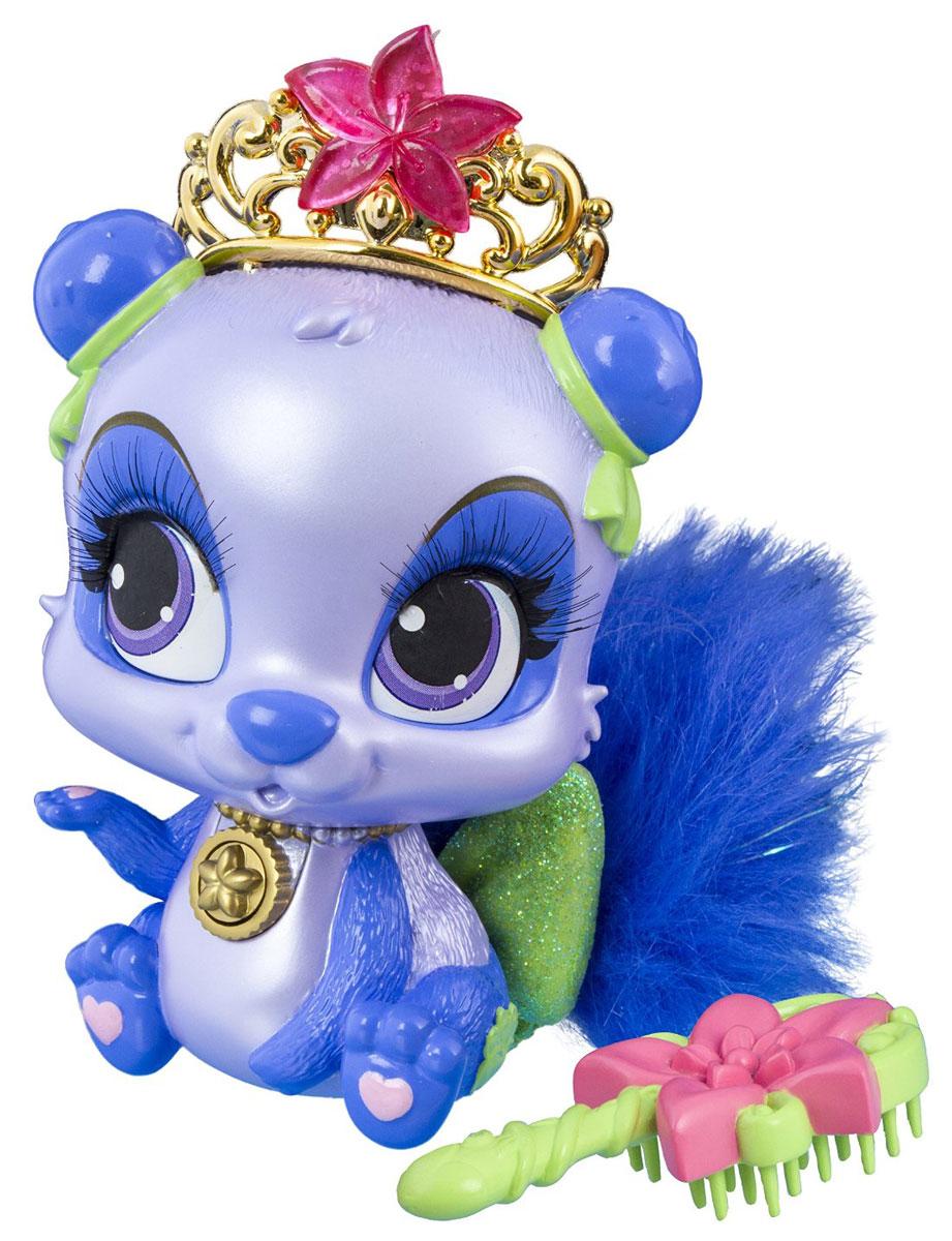 Disney Princess Фигурка Панда Цветочек20742Фигурка Disney Princess Панда Цветочек привлечет внимание вашей малышки и не позволит ей скучать. Пушистый дружок принадлежит принцессе Диснея Мулан, красавице из Китая. Жительница этой страны завела себе зверька, который является одним из символов Китая - панду. Очаровательная пухлая зверушка получила романтичное имя Цветочек (Blossom). Игрушка выполнена из высококачественного пластика. Она имеет пушистый хвостик, изготовленный из качественного искусственного меха. Цветовая гамма панды Цветочек очень интересная, сине-фиолетовая. На шее зверька - кулон. Нажав на него можно услышать, как панда произносит фразы, причем в ее арсенале их целых 6. Кроме него у питомца имеются и другие украшения. Хвост панды украшен блестящим салатовым бантом. На голове Цветочек носит золотистую корону с розовой звездочкой. В комплекте имеется расческа, при помощи которой хозяйка игрушки сможет ухаживать за ее красивым хвостиком. Этот питомец очень симпатичный и достаточно...