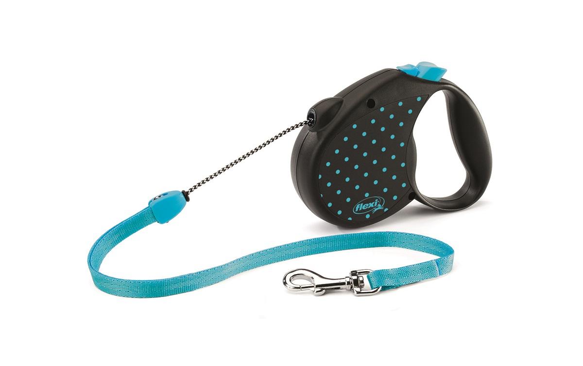 Рулетка Flexi Color М (до 20 кг) трос 5 м голубая013229dРулетка для собак весом до 20 кг - выбор стильных натур, следящих за модой и ценящих комфорт. Красочный, дерзкий дизайнерский рисунок добавляет изюминку совершенной технике FLEXI и превращает рулетку в изысканный аксессуар. Рулетка позволит вашей собаке совершать в 3 раза больше движений чем традиционные поводки, что сохранит ее здоровье и хорошую форму надолго. Рулетка очень проста в использовании – управлять ею способен даже ребенок. Прочный корпус и хромированная застежка придают надежности и прослужат вам долгие годы. Длина ременного поводка 5 м. Цвет голубой.