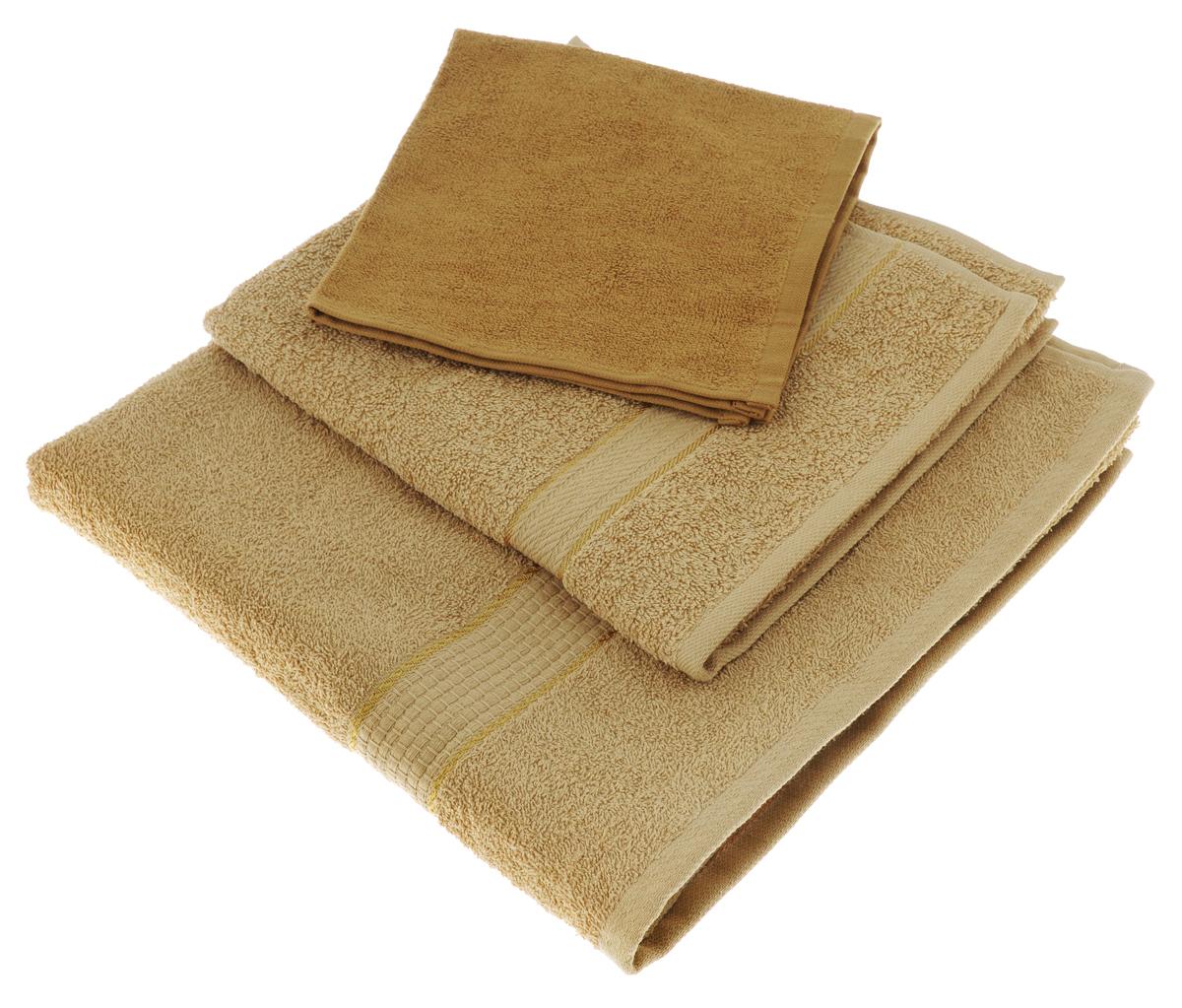 Набор махровых полотенец Osborn Textile, цвет: светло-коричневый, 3 штУзТ-КМП-08-20Набор Osborn Textile состоит из трех полотенец разного размера, выполненных из натурального 100% хлопка. Такие полотенца отлично впитывают влагу, быстро сохнут, сохраняют яркость цвета и не теряют формы даже после многократных стирок. Полотенца очень практичны и неприхотливы в уходе. Комплектация: 3 шт.