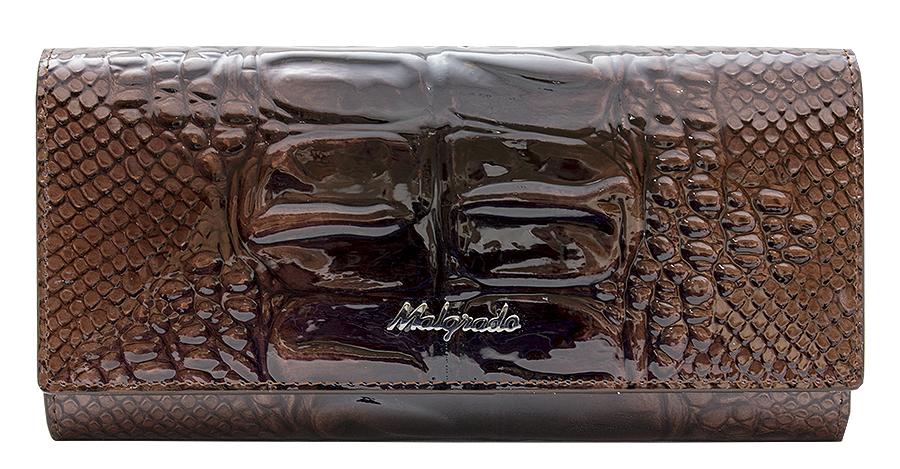 Кошелек женский Malgrado, цвет: коричневый. 72032-0440372032-04403Элегантный кошелек Malgrado изготовлен из высококачественной натуральной лаковой кожи с фактурным тиснением под кожу рептилии, оформлен металлической фурнитурой с символикой бренда. Изделие содержит одно отделение, закрывающееся клапаном на кнопку. Внутри расположены: три отделения для купюр, карман на застежке-молнии, карман для мелких документов, девять карманов для визиток и кредитных карт, один из которых с прозрачной вставкой. Дополняет кошелек отделение для мелочи на рамочном замке, содержащее две секции. Изделие упаковано в фирменную металлическую коробку. Стильный кошелек не оставит равнодушной ни одну представительницу прекрасной половины человечества.