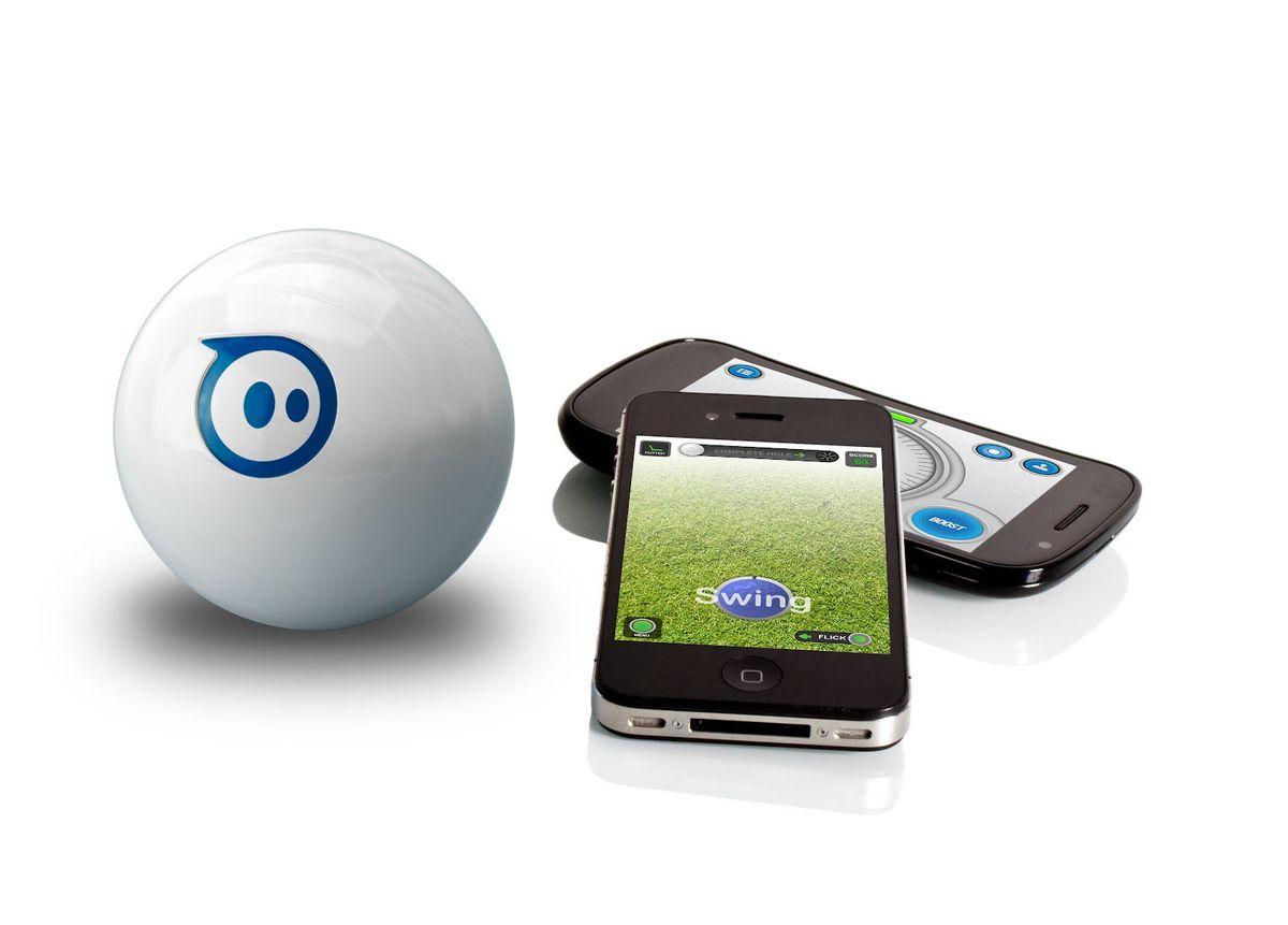 Sphero Игрушка радиоуправляемая Беспроводной робо-шарS003RWOrbotix Sphero 2.0 представляет собой новый, еще более быстрый и резвый, передвигающийся со скоростью 2 м/с мяч, управляемый с iOS-гаджетов, синхронизация с которыми осуществляется посредством бепроводного интерфейса Bluetooth. Шар оснащен технологией LED motion, благодаря которой он может засверкать невероятно яркими, сочными и самыми разнообразными цветами и миллионами оттенков. Оснащенный невероятно большим количеством электроники шар Orbotix Sphero 2.0 является просто идеальным устройством при создании новой, еще неизведанной платформы для игр - лабиринт, гольф, бильярд и множество других игр, установленных на Вашем гаджете развлекут и порадуют как Вас, так и Ваших домочадцев. Кроме того, Вы можете приобрести и сразу несколько шаров Orbotix Sphero 2.0 и устраивать так называемые «шариковые гонки» с друзьями или детьми!