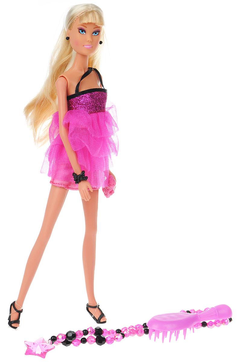 Simba Кукла Штефи Супермодель цвет платья малиновый5738966_малиновыйКукла Simba Штеффи: Супермодель надолго займет внимание вашей малышки и подарит ей множество счастливых мгновений. Кукла изготовлена из пластика, ее голова, ручки и ножки подвижны, что позволяет придавать ей разнообразные позы. В комплект входит расческа для куклы и колье из сверкающих бусин с подвеской-звездочкой для девочки. Куколка одета в стильное вечернее платье с пышной юбкой, украшенное блестками. Стильный образ дополняют черные серьги, браслет и небольшая розовая сумочка-клатч. Чудесные длинные волосы куклы так весело расчесывать и создавать из них всевозможные прически, плести косички, жгутики и хвостики. Благодаря играм с куклой, ваша малышка сможет развить фантазию и любознательность, овладеть навыками общения и научиться ответственности, а дополнительные аксессуары сделают игру еще увлекательнее. Порадуйте свою принцессу таким прекрасным подарком!