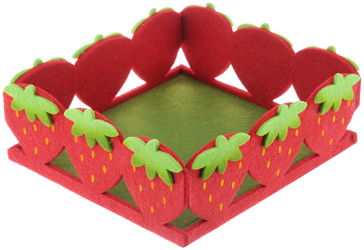 Декоративное украшение RTO Корзинка, цвет: красный, зеленый, 20 х 19 х 7,5 смHCQ02-2207Декоративное украшение RTO Корзинка предназначено для оформления интерьера и сервировки стола. Изделие выполнено из фетра, стенки оформлены в виде ягод клубники. Декоративное украшение послужит приятным и полезным сувениром для близких и знакомых и, несомненно, доставит массу положительных эмоций своему обладателю.