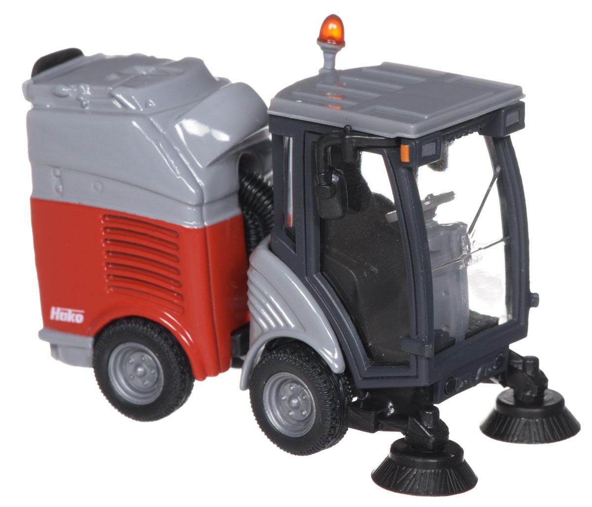 Siku Моющая машина2936Модель Siku Моющая машина представляет собой реалистичную модель техники, выполненную в мельчайших подробностях. Кабина и прицеп машинки изготовлены из металла, стекла - из прозрачного пластика. Колеса выполнены из резины и свободно крутятся. В прицепе машинки имеется выдвигающийся пластиковый контейнер с крышкой. Коллекционная модель Моющая машина станет украшением любой коллекции, или отличным подарком для ребенка.