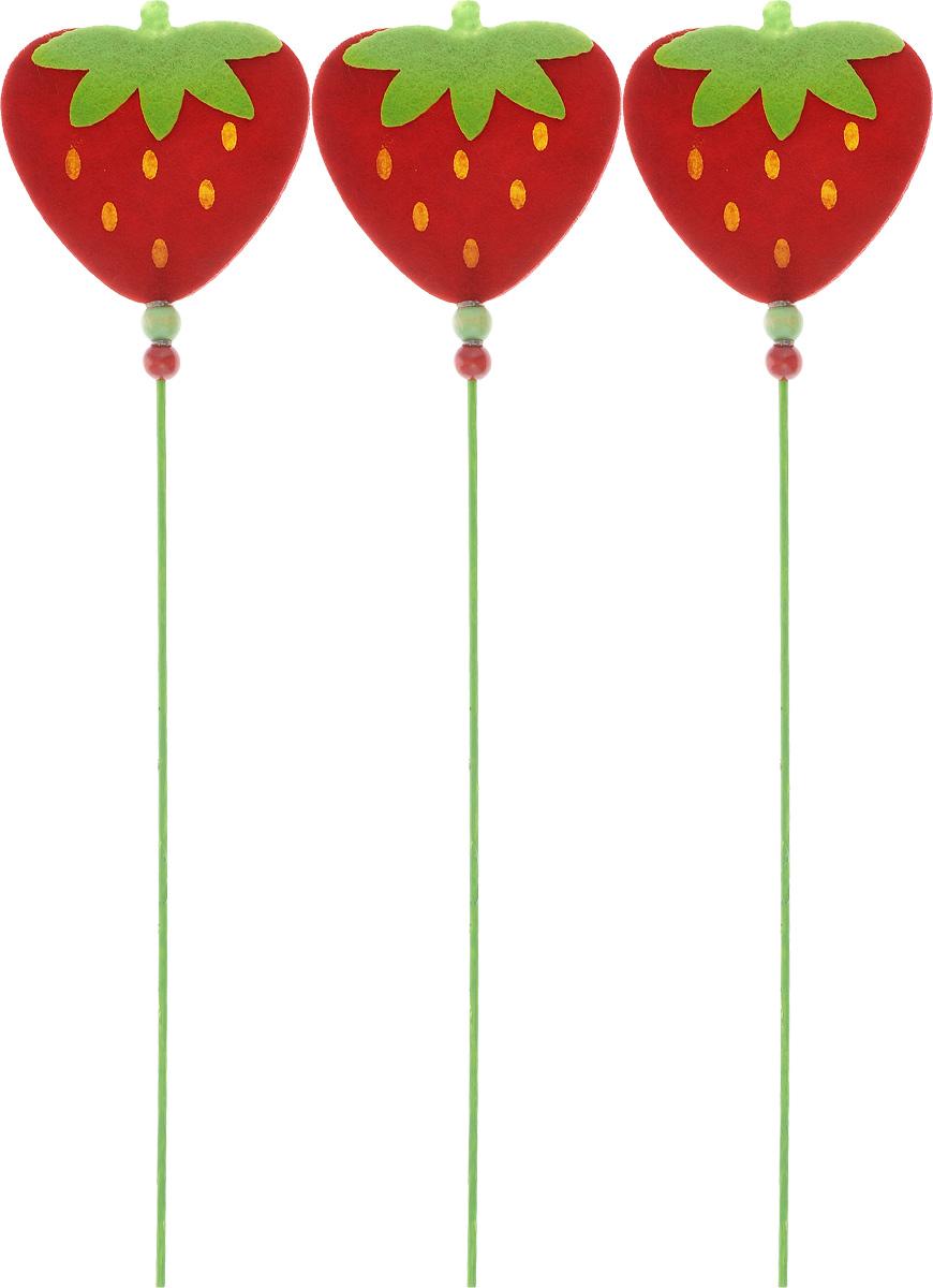Декоративное украшение на палочке RTO Клубника, цвет: красный, зеленый, длина 30 см, 3 штHCQ02-2771Декоративное украшение на палочке RTO Клубника прекрасно оформит интерьер и рабочий стол не только дома, но и в офисе. Фигурка ягоды, выполненная из фетра, расположена на деревянной ножке. Создайте в своем доме атмосферу веселья и радости, украшая его всей семьей новогодними деталями, которые будут из года в год накапливать теплоту воспоминаний.